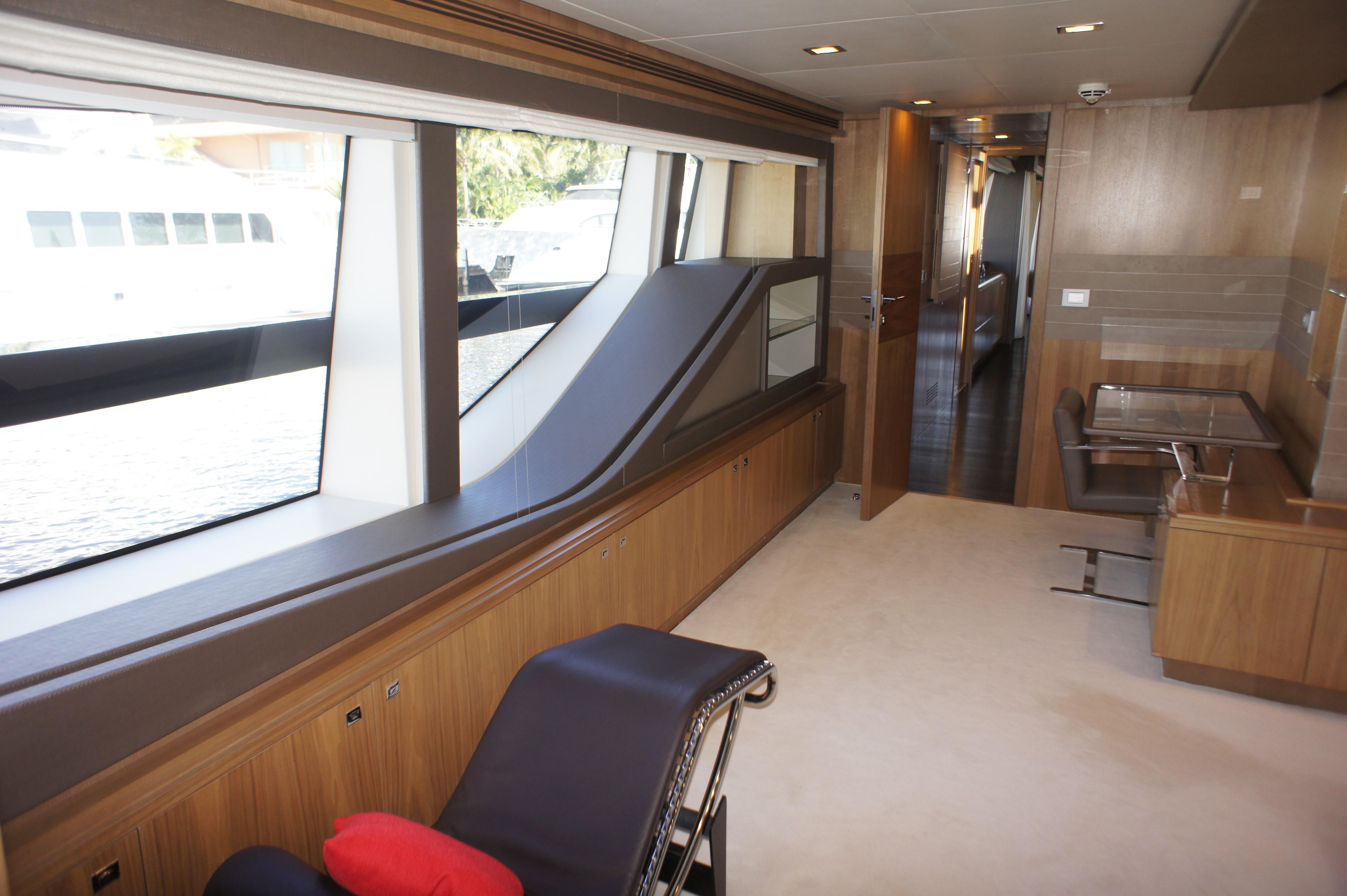 100 Ferretti Yachts