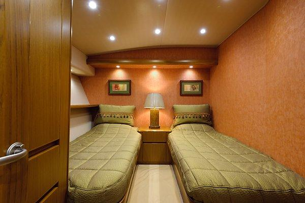 82 Viking Starboard Guest Stateroom