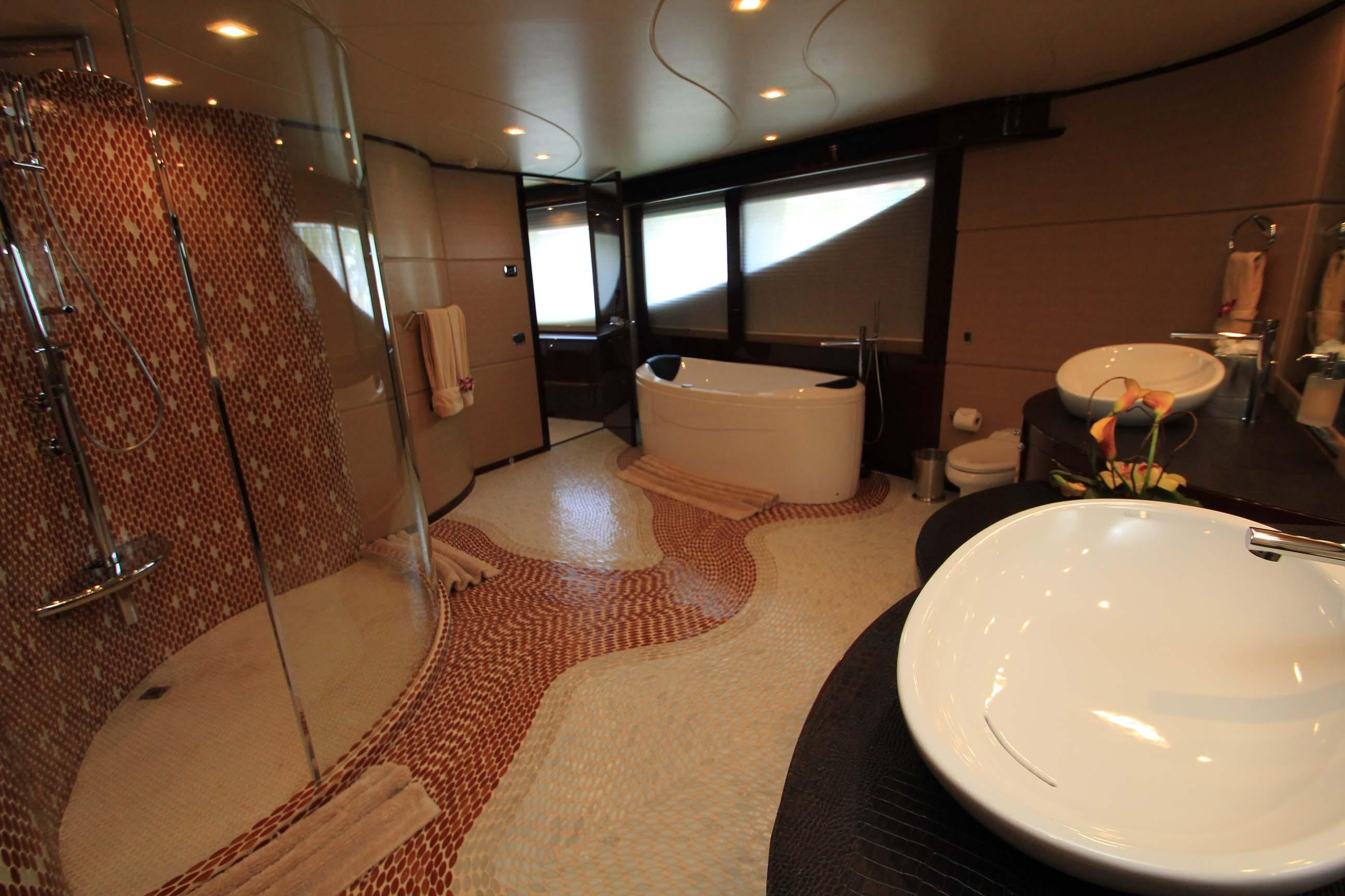 136 Hargrave Master Suite Bath