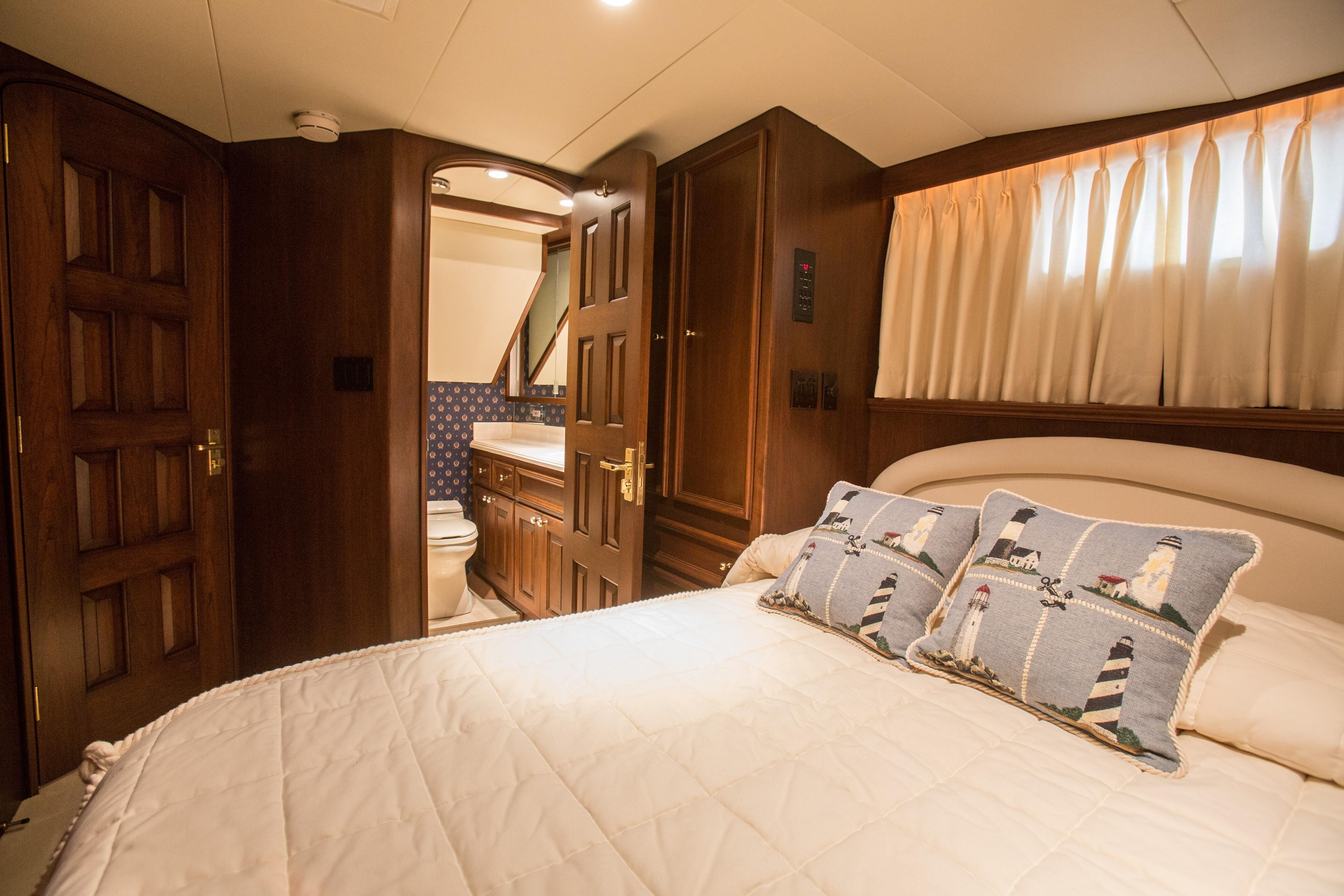 80 Burger Guest Stateroom