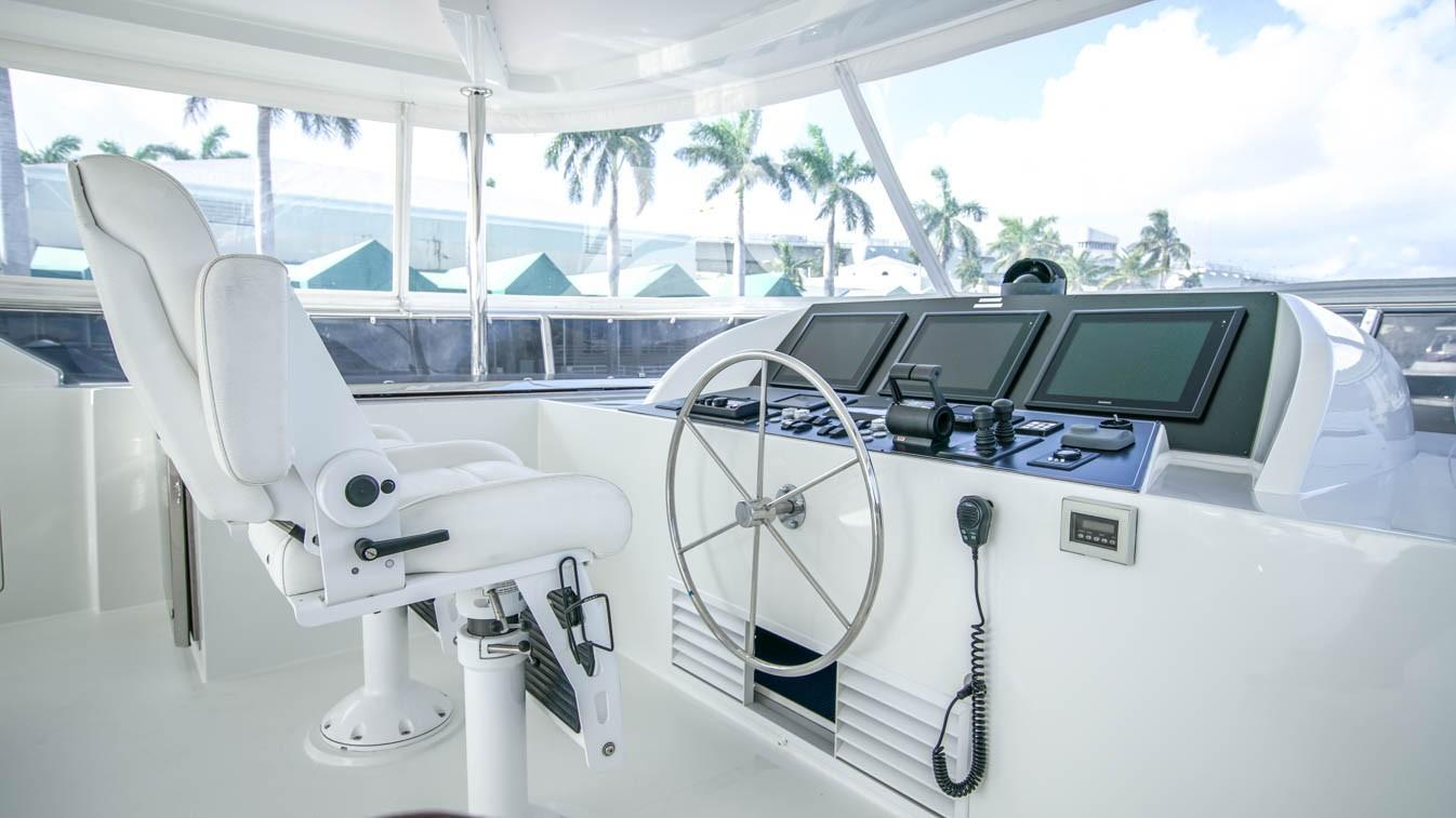 85 Ocean Alexander Flybridge Helm Station