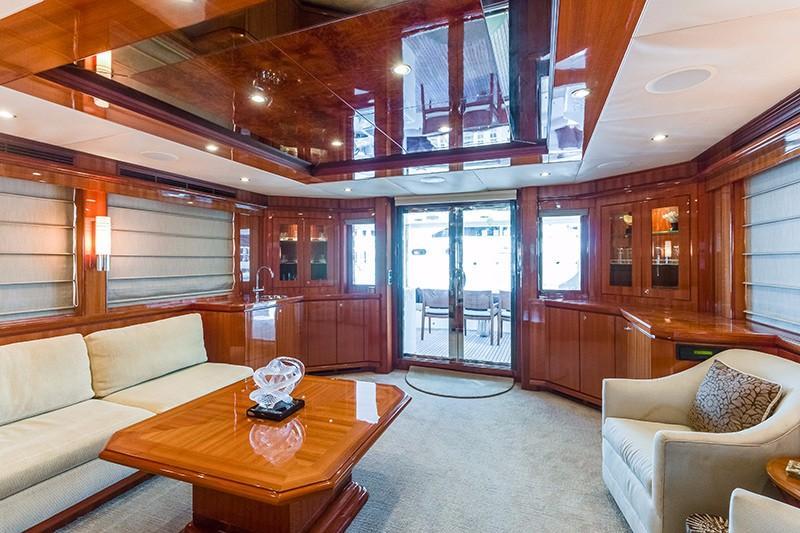 78 Ocean Alexander Salon