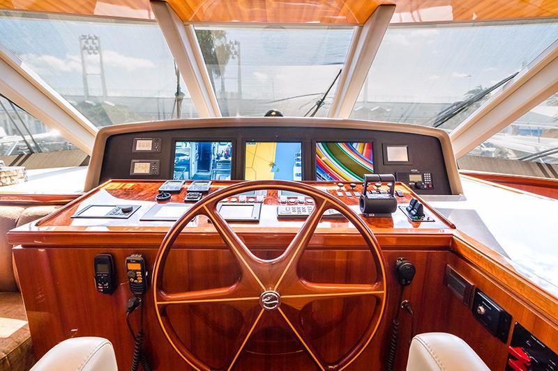 78 Ocean Alexander Pilothouse Helm