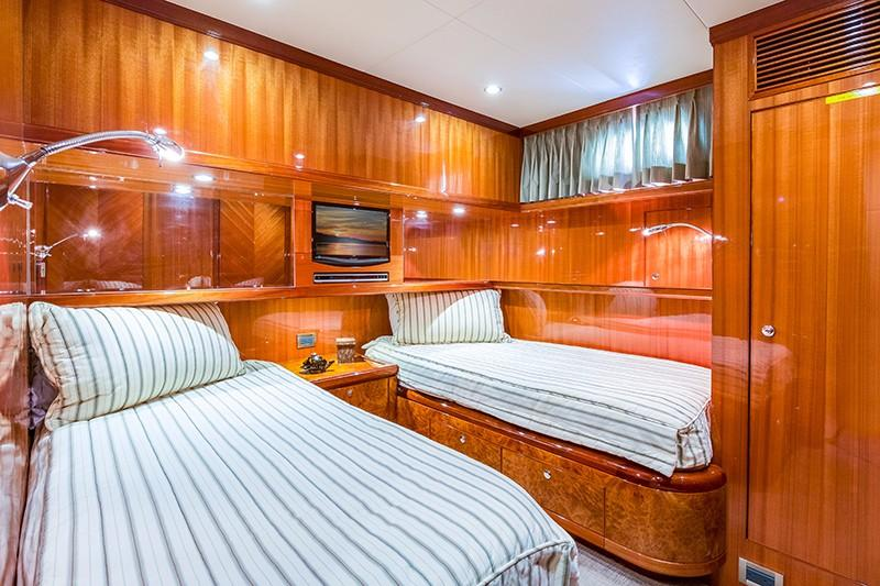78 Ocean Alexander Port Guest Stateroom
