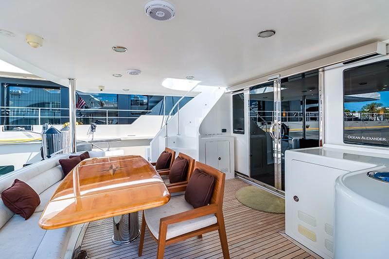 78 Ocean Alexander Aft Deck
