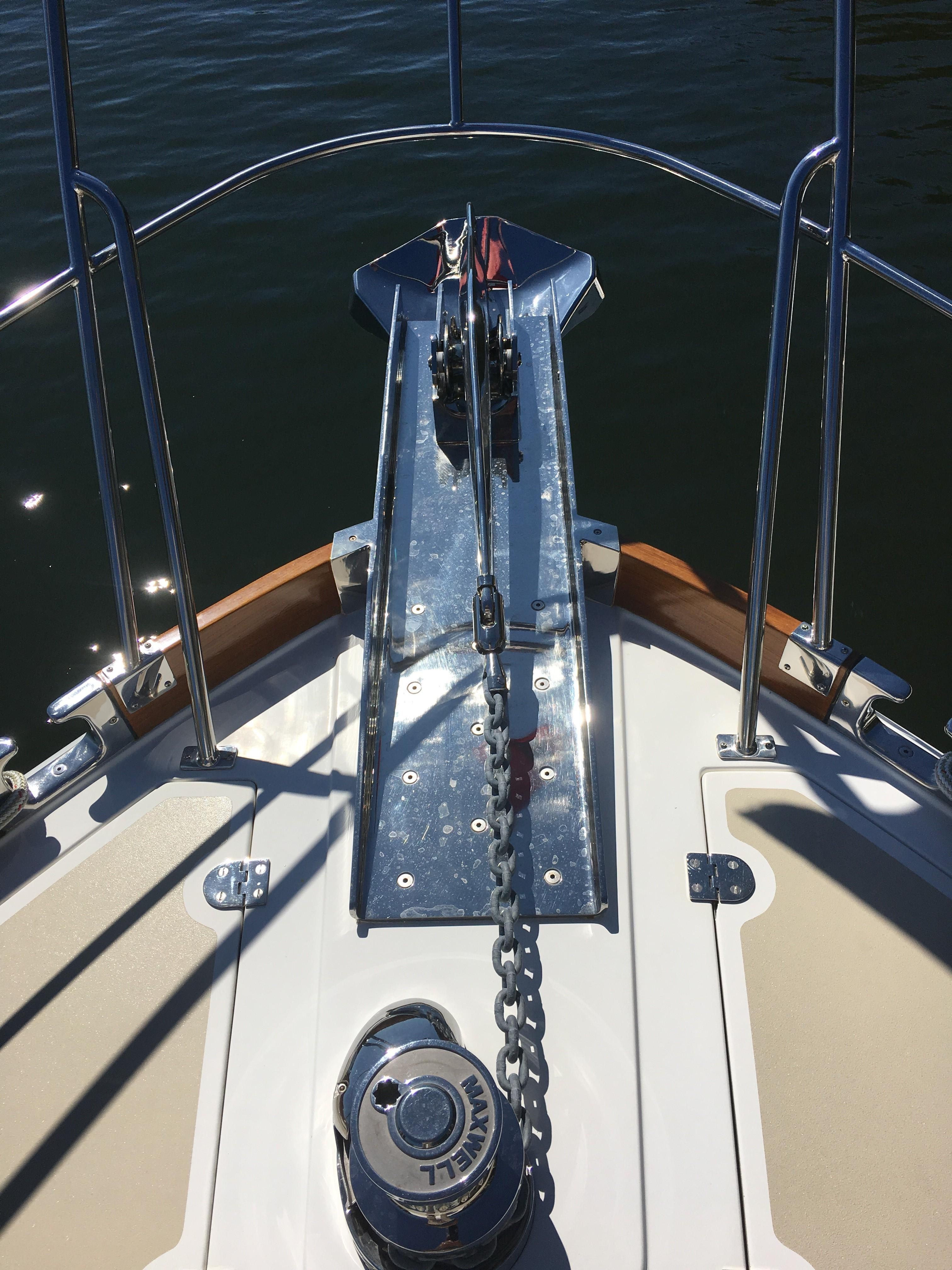 55 Grand Banks Anchor Roller