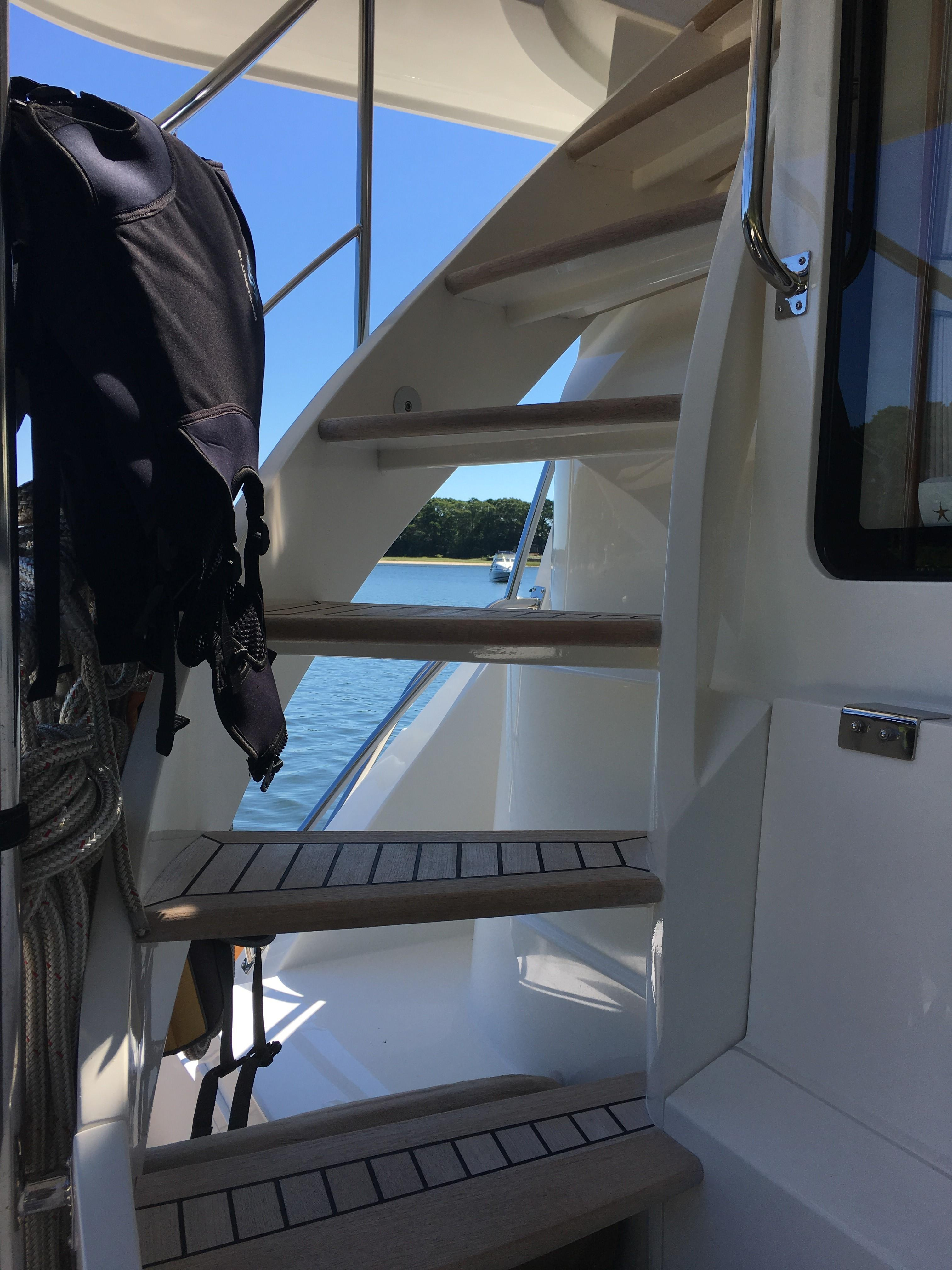 55 Grand Banks Aft Deck Stairs to FB