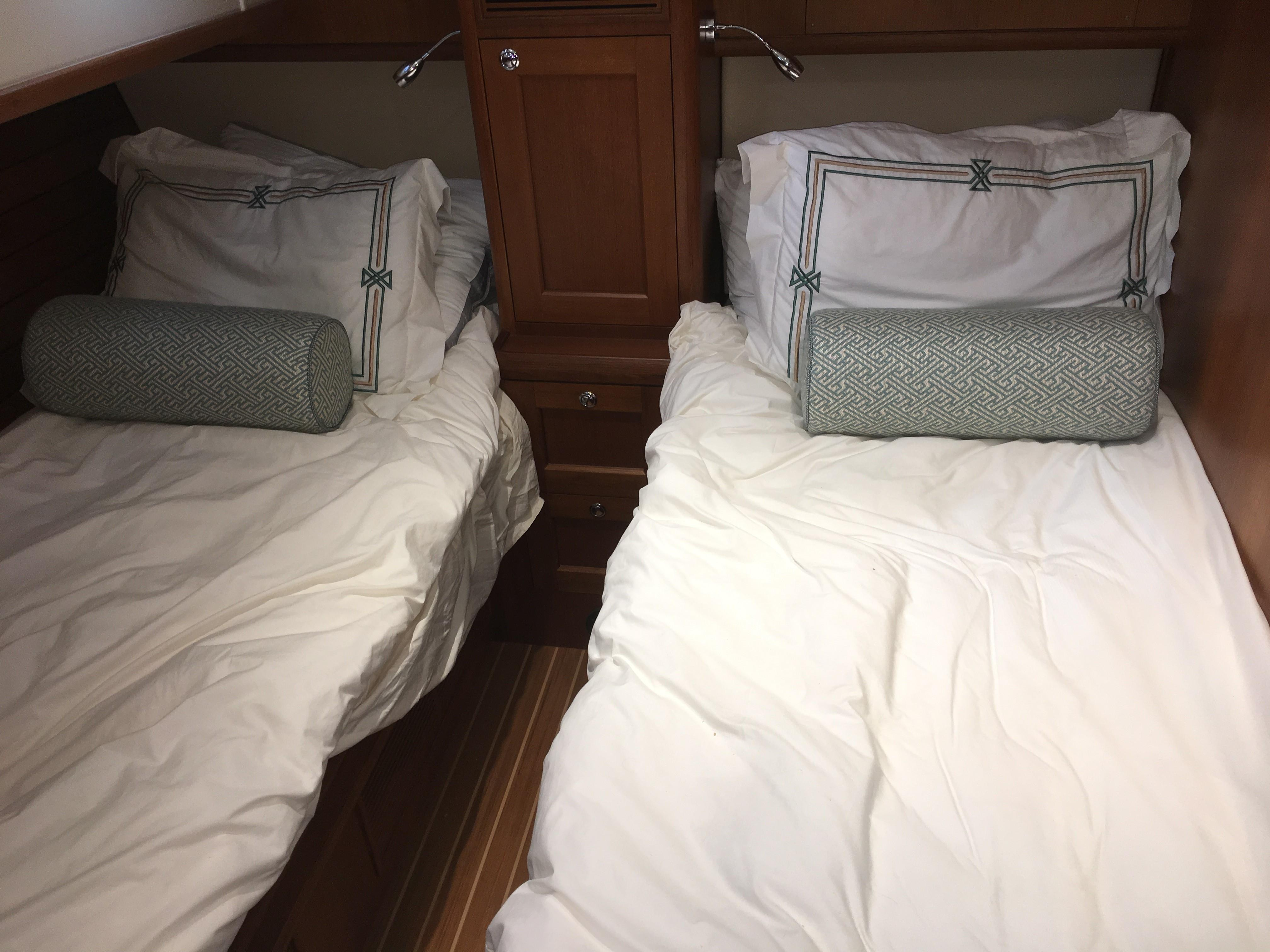55 Grand Banks Guest Stateroom