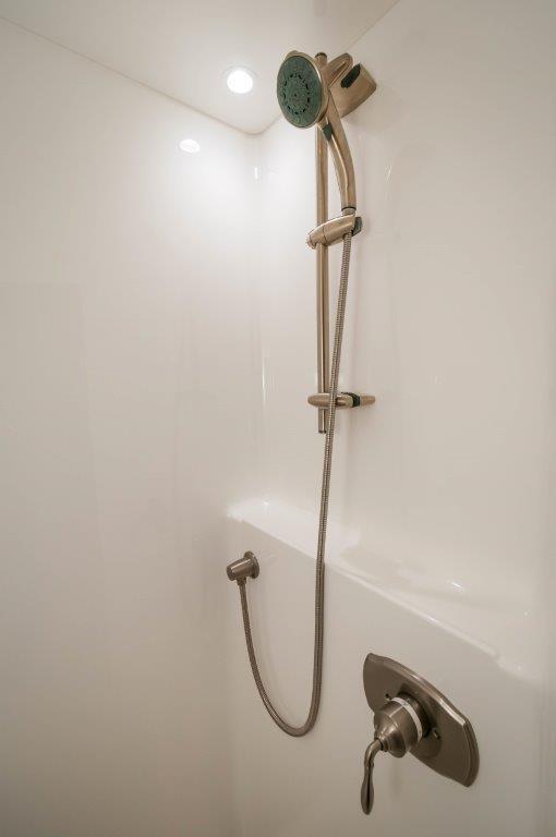 92 Viking VIP Shower