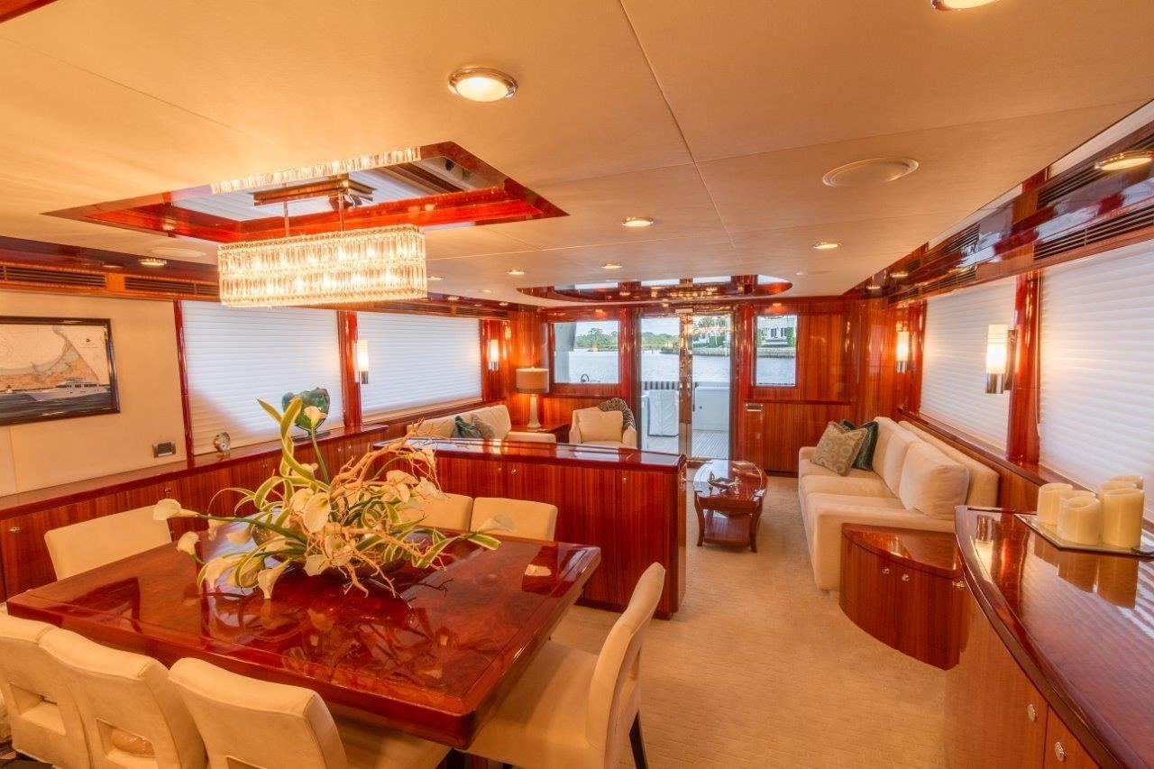 90 Ocean Alexander Dining & Salon