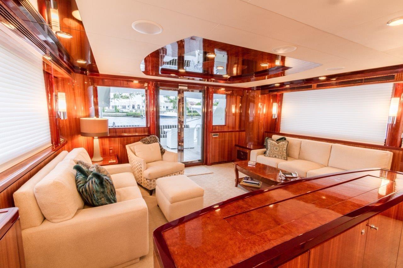90 Ocean Alexander Salon