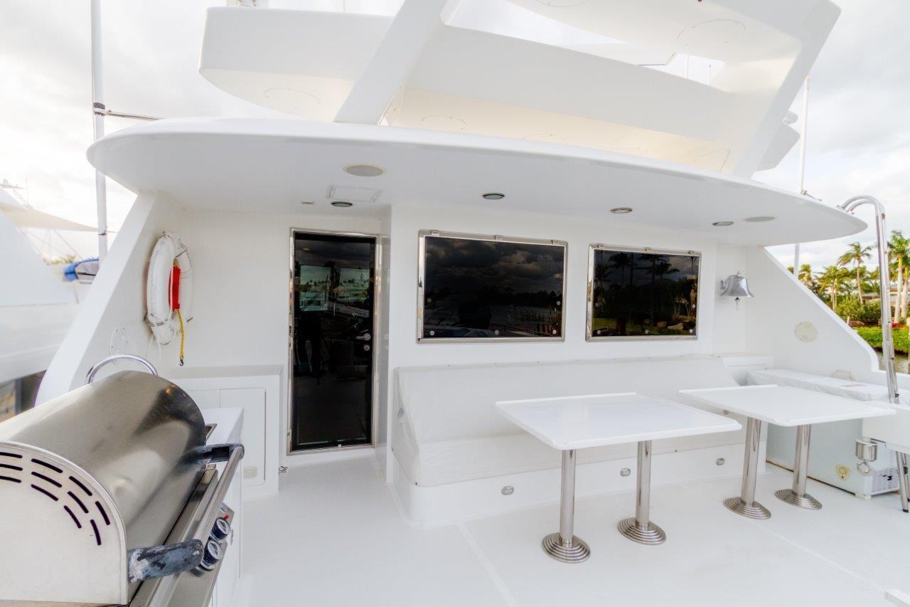 90 Ocean Alexander FB Deck Seating