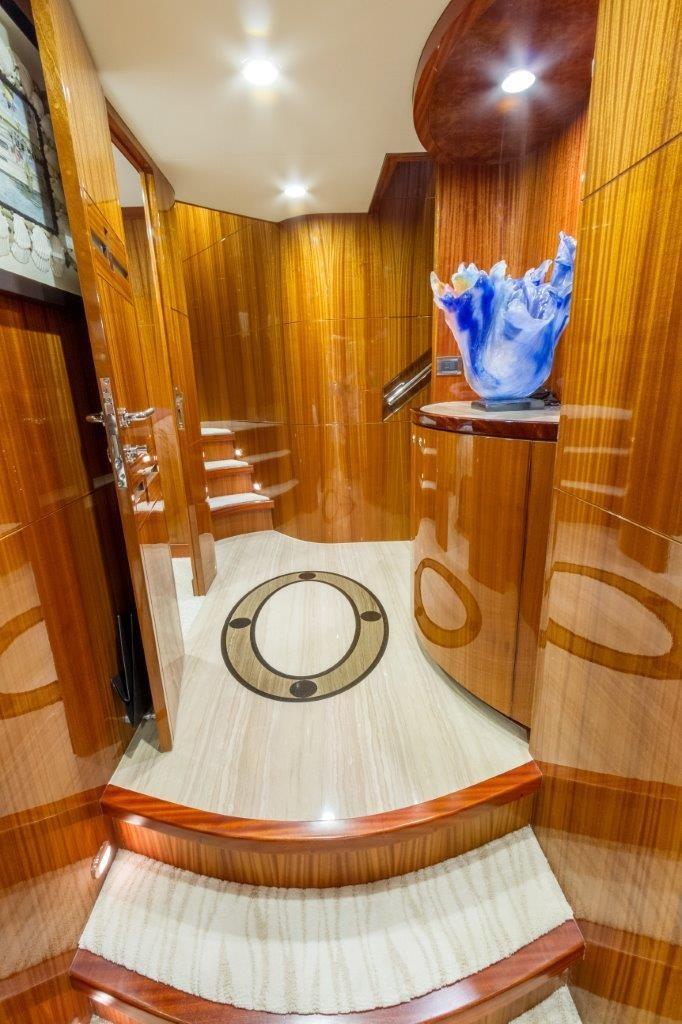 90 Ocean Alexander Hallway