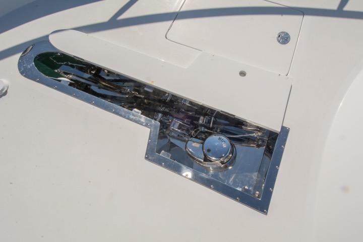 85 Ocean Alexander Windlass w/ deck cover