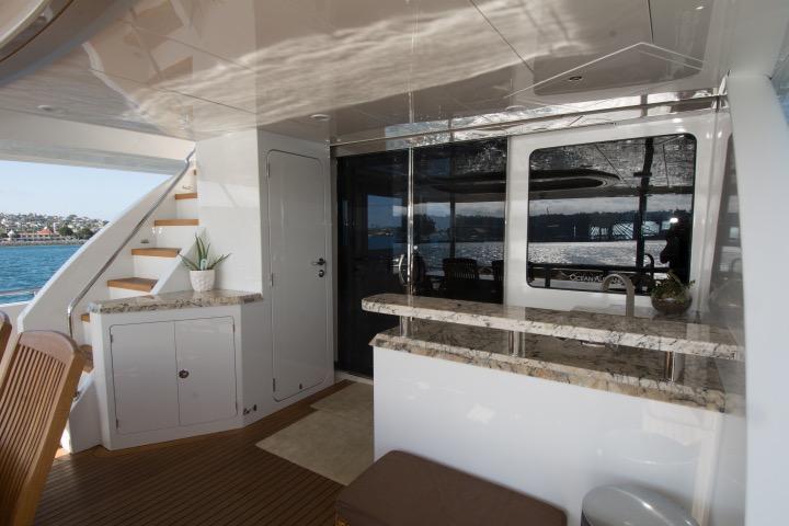85 Ocean Alexander Cal deck bar