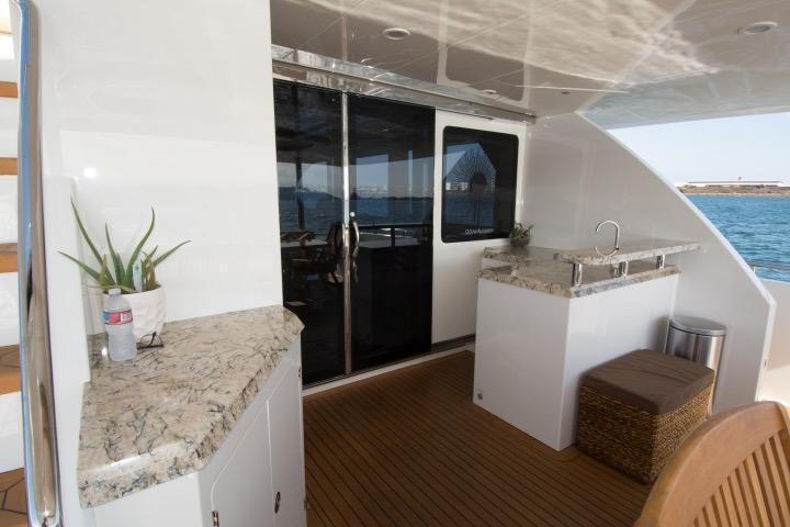 85 Ocean Alexander Cal deck bar 2