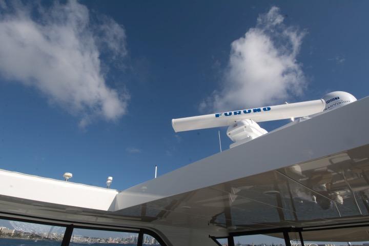 85 Ocean Alexander Hardtop w/ electric sunroof (open)
