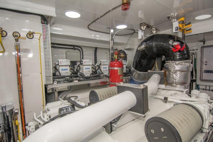 85 Ocean Alexander Starboard engine