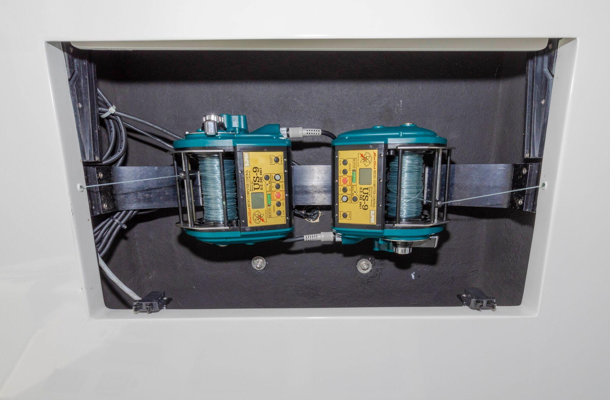 52 Cabo Electric Teaser Reels