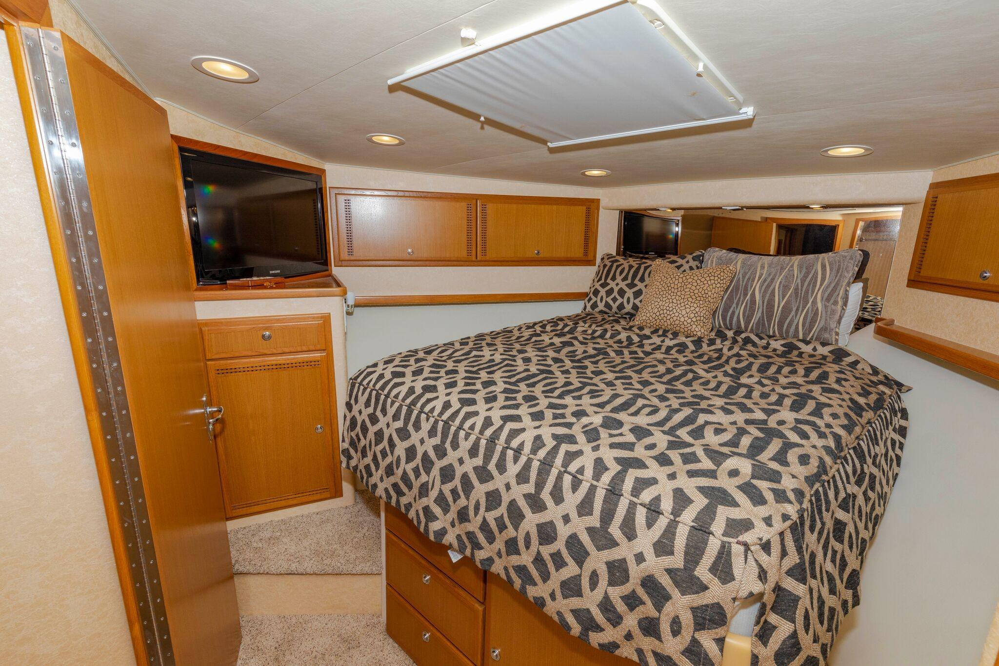 52 Cabo Master Stateroom