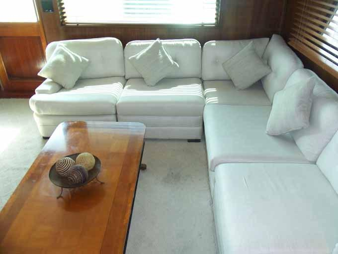 77 Hatteras Starboard Settee