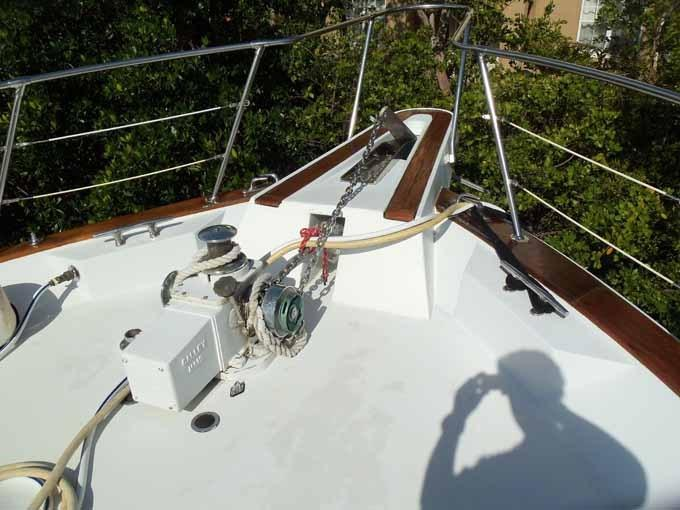 77 Hatteras Bow Pulpit Area