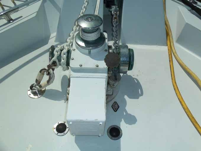 77 Hatteras Above Deck Windlass