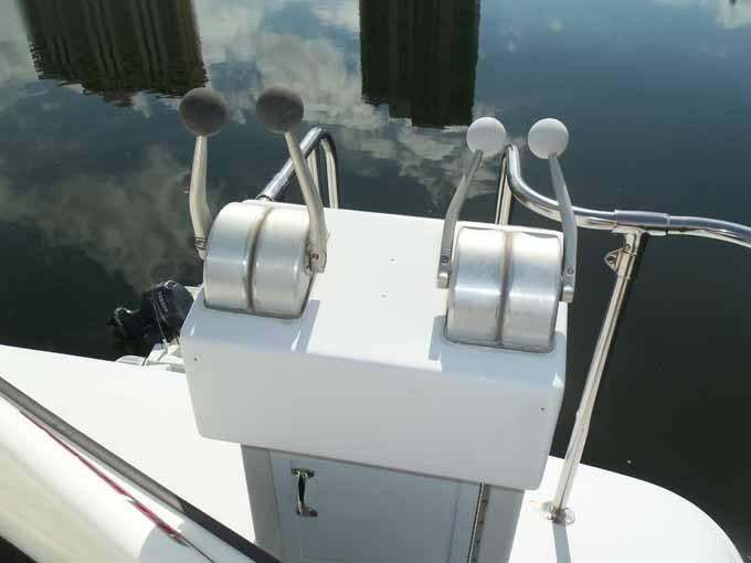77 Hatteras Aft Boat Deck Controls