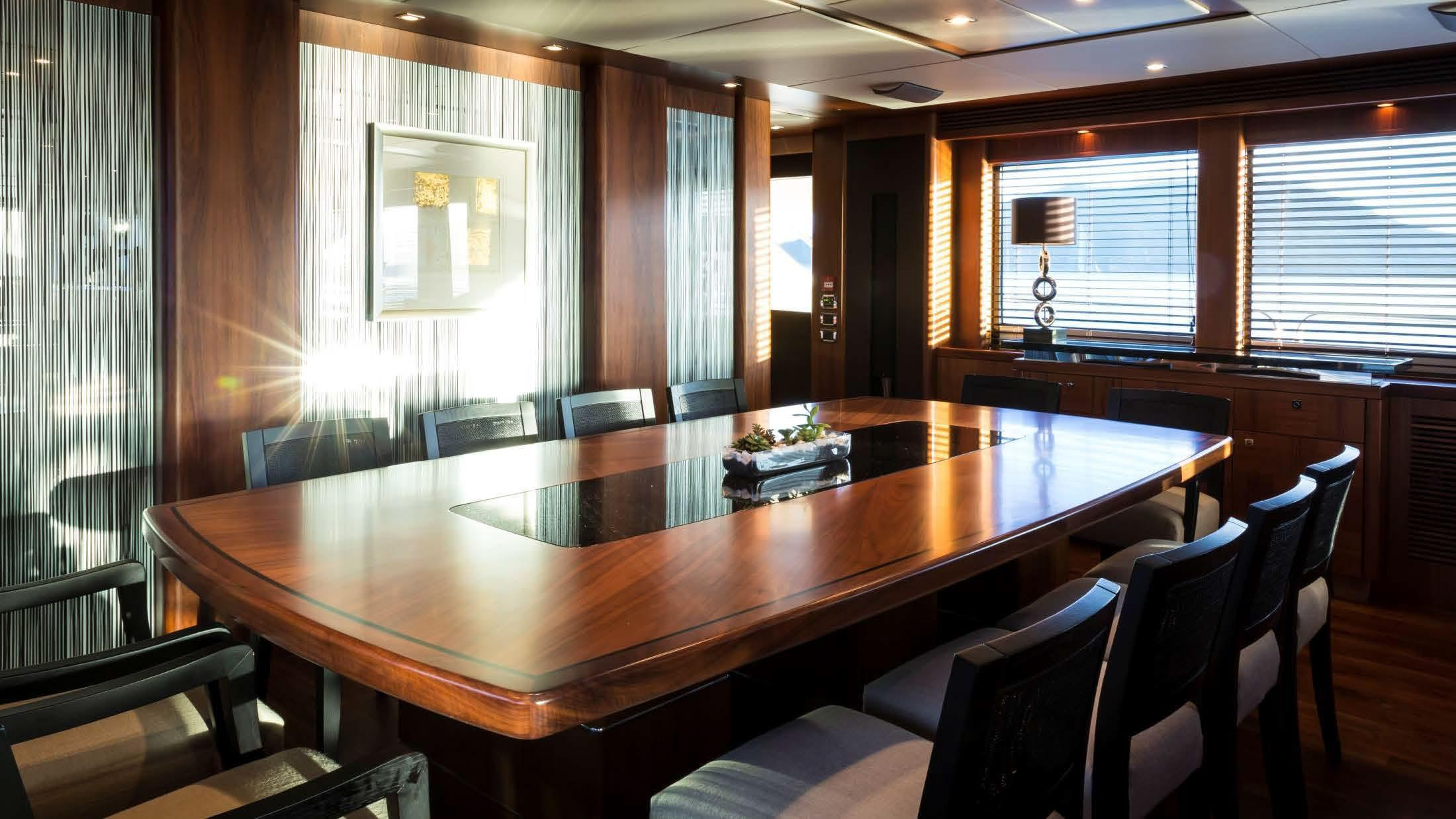121 Sunseeker Dining Area Private