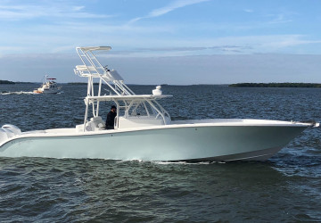 42' Yellowfin 2013