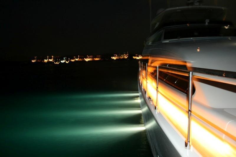 97 Ferretti Yachts underwater lights