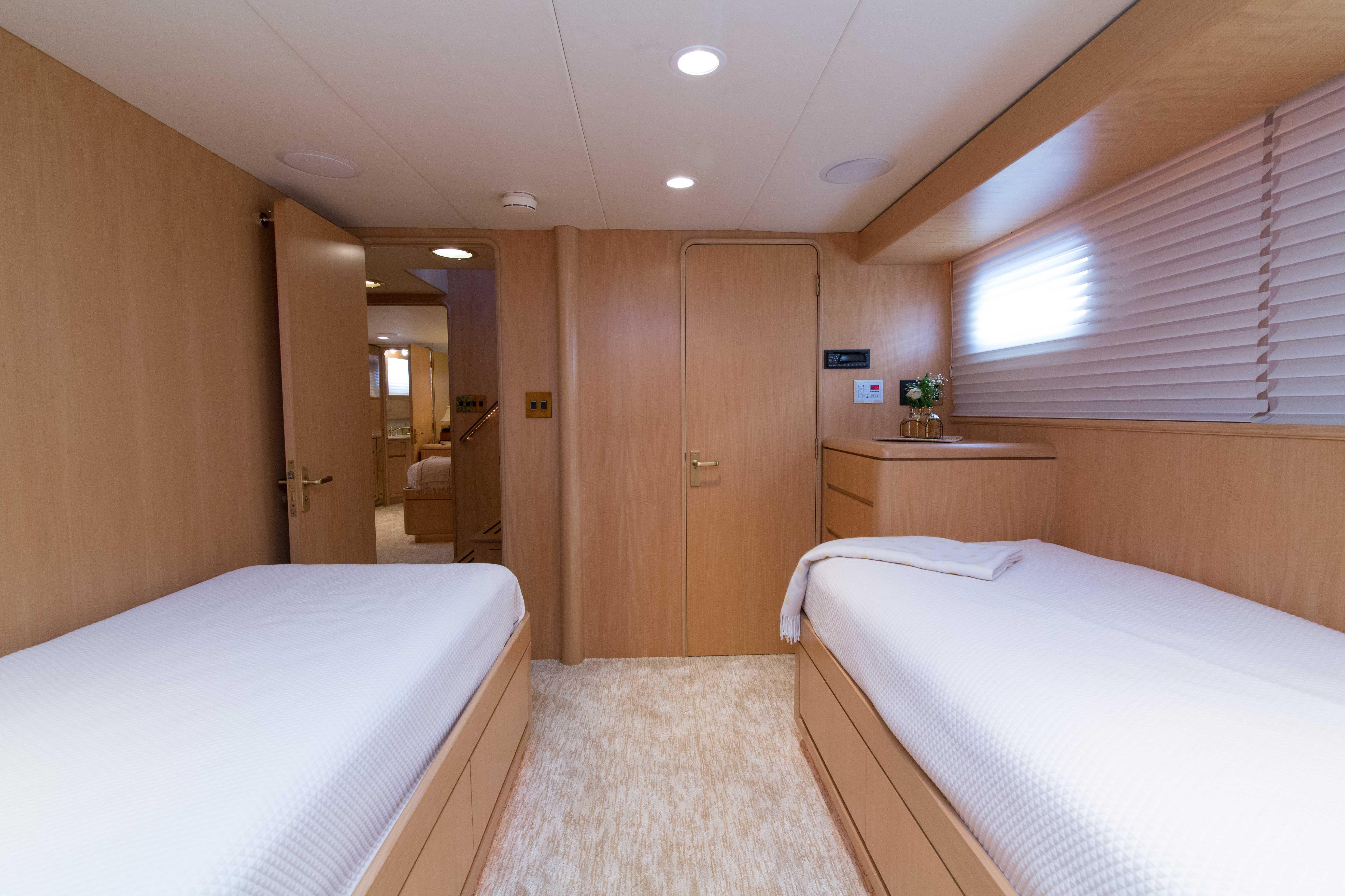85 Burger Guest Stateroom