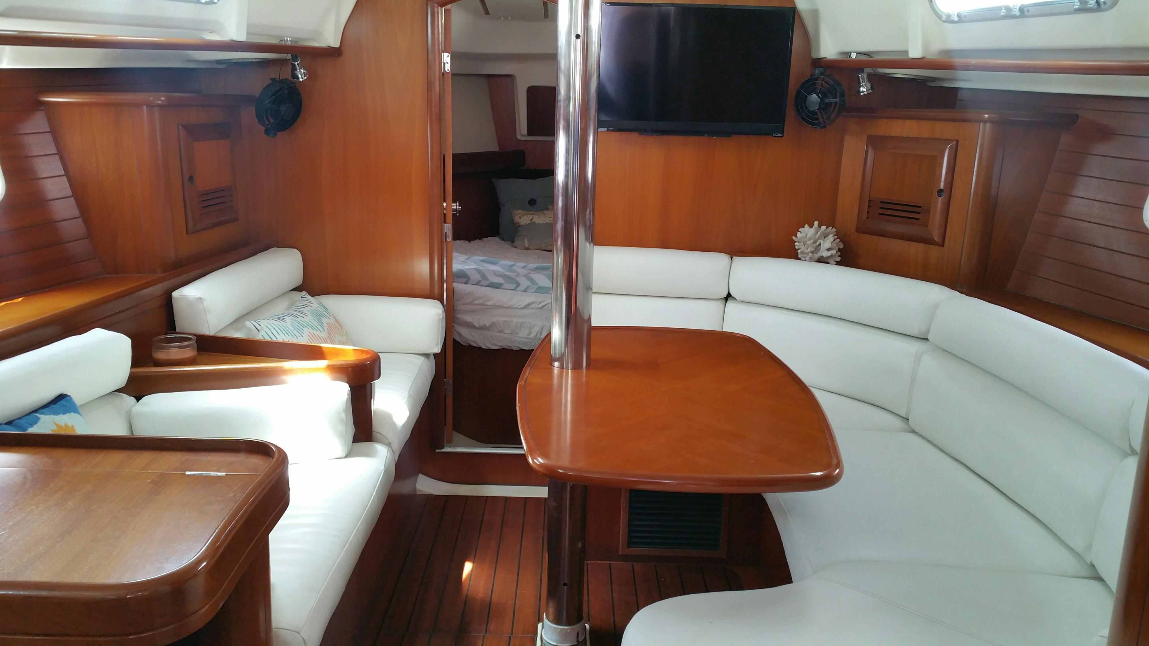 36 Beneteau Salon