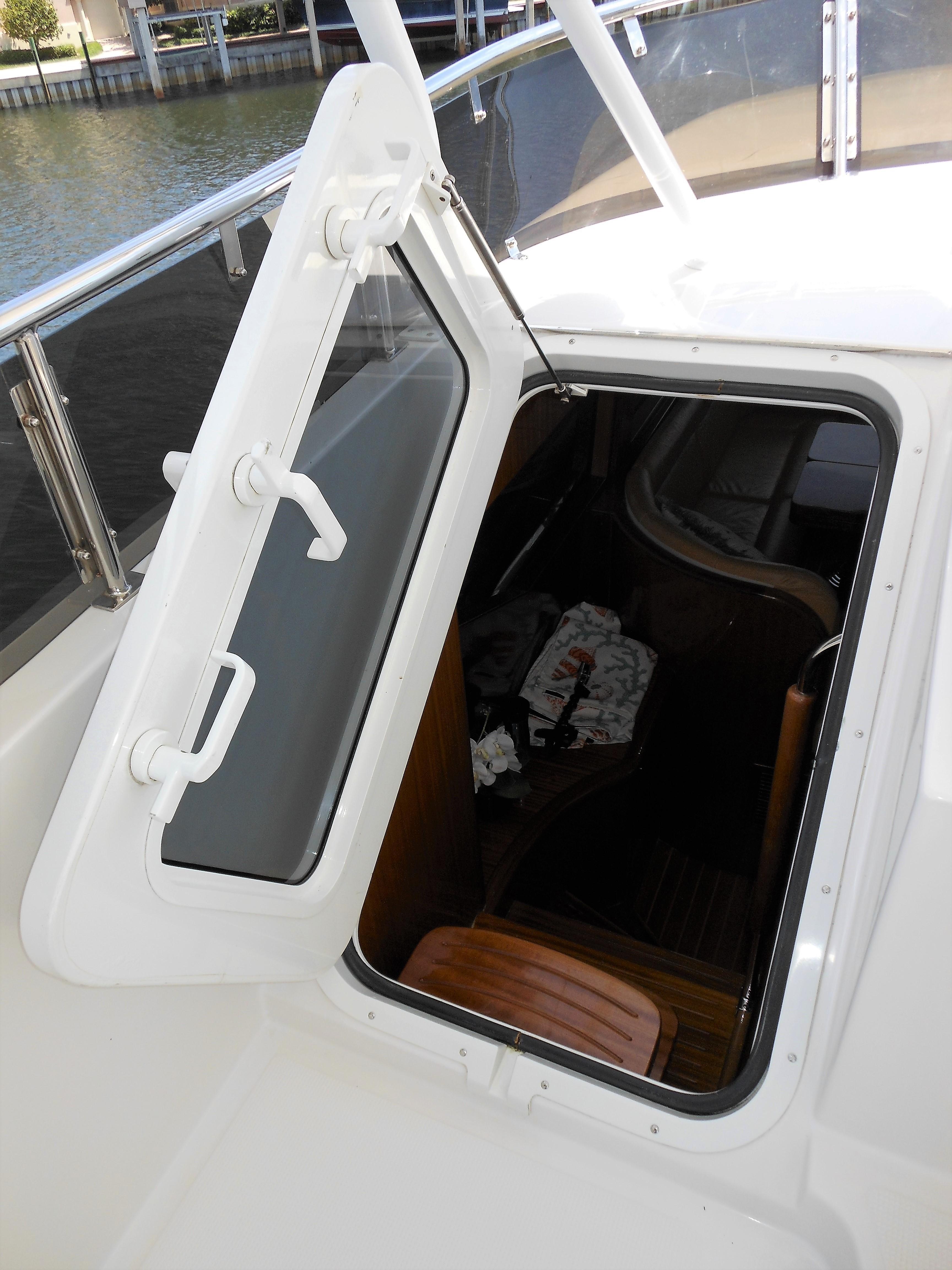 58 Symbol Aluminum door to pilothouse