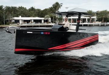23' De Antonio Yachts 2013