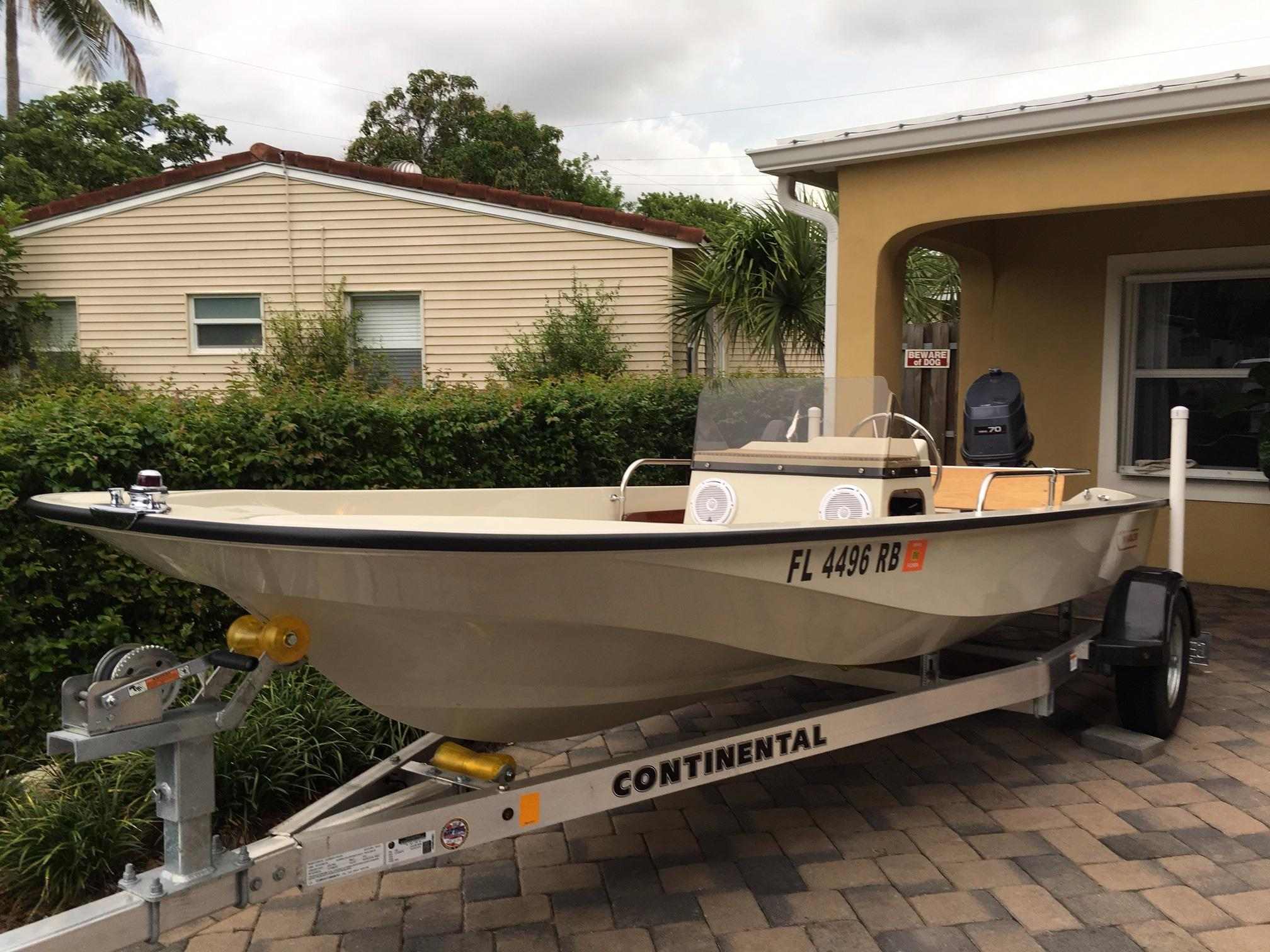 15 boston whaler 1984 fort lauderdale florida sold on 2016 10 06 by rh denisonyachtsales com Boston Whaler 20 Boston Whaler 27