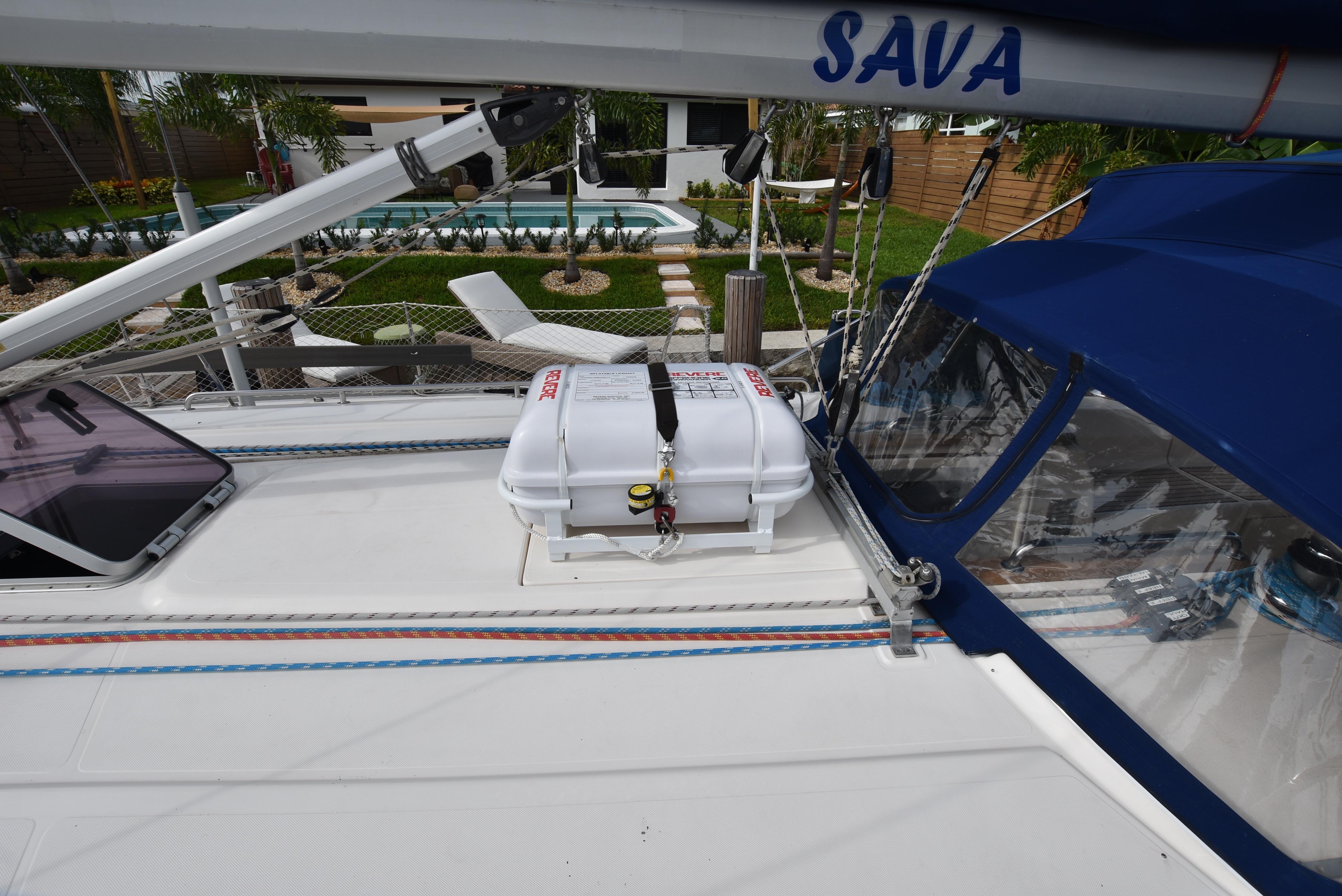 46 Bavaria 4 person life raft