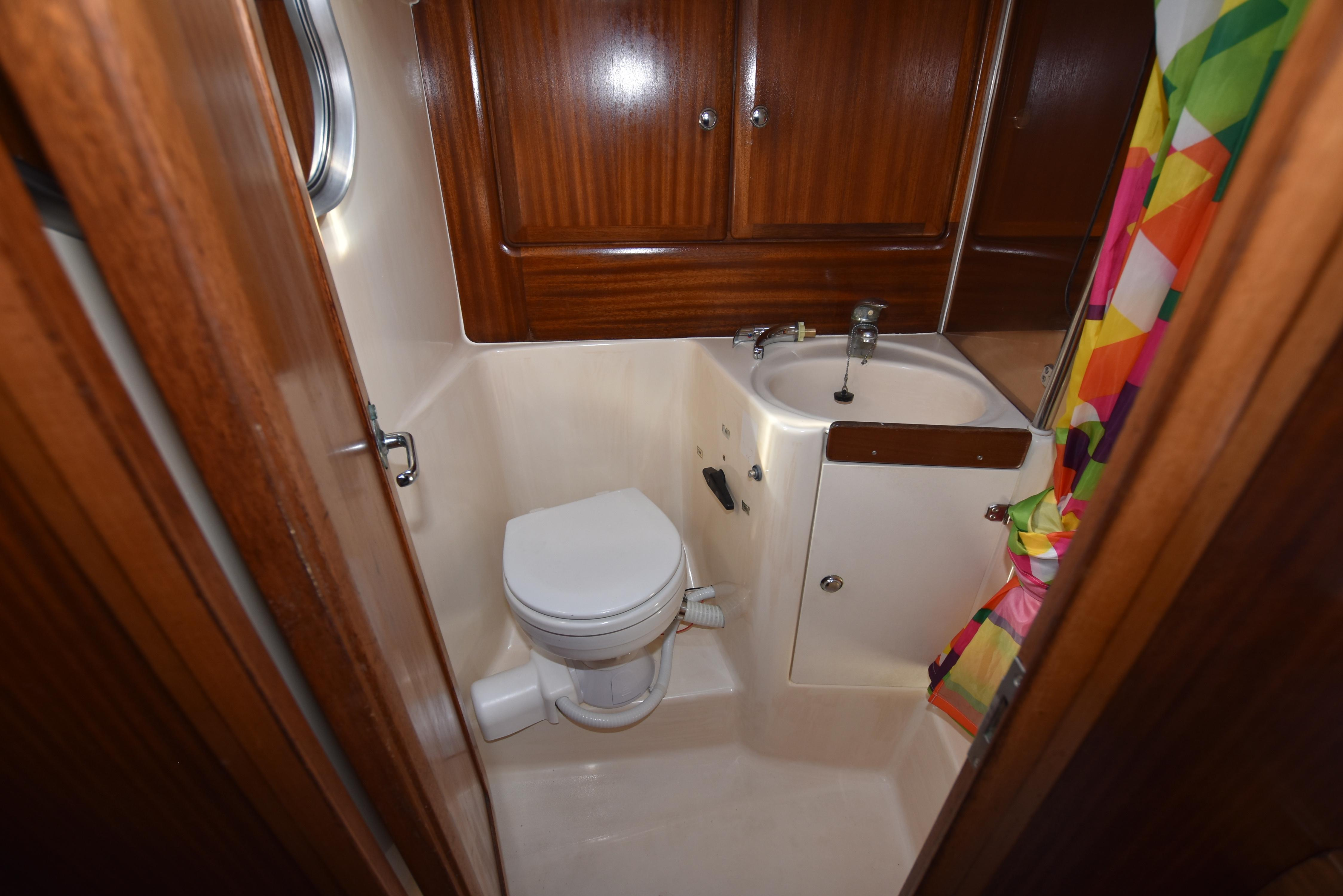 46 Bavaria Aft electric head with stall shower