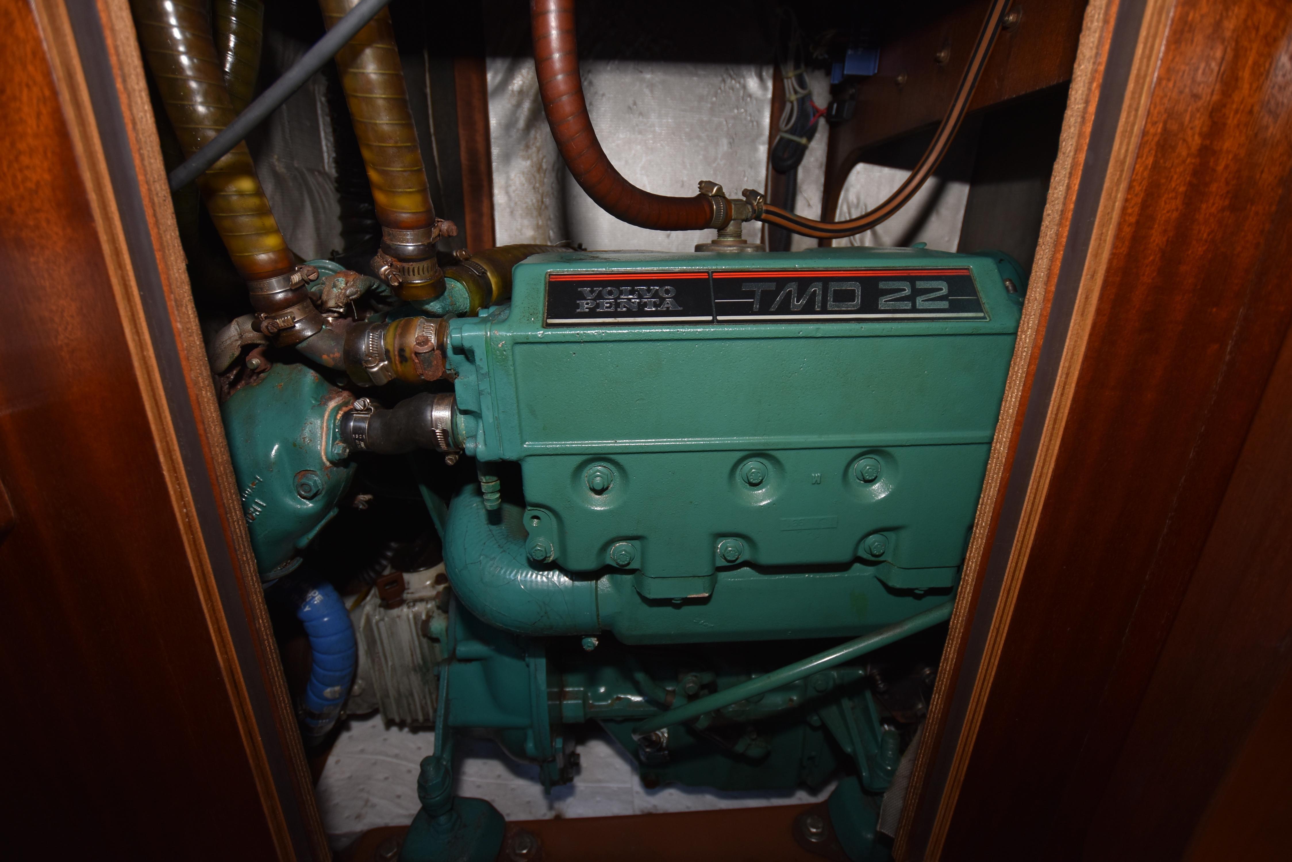 46 Bavaria Main engine stbd side