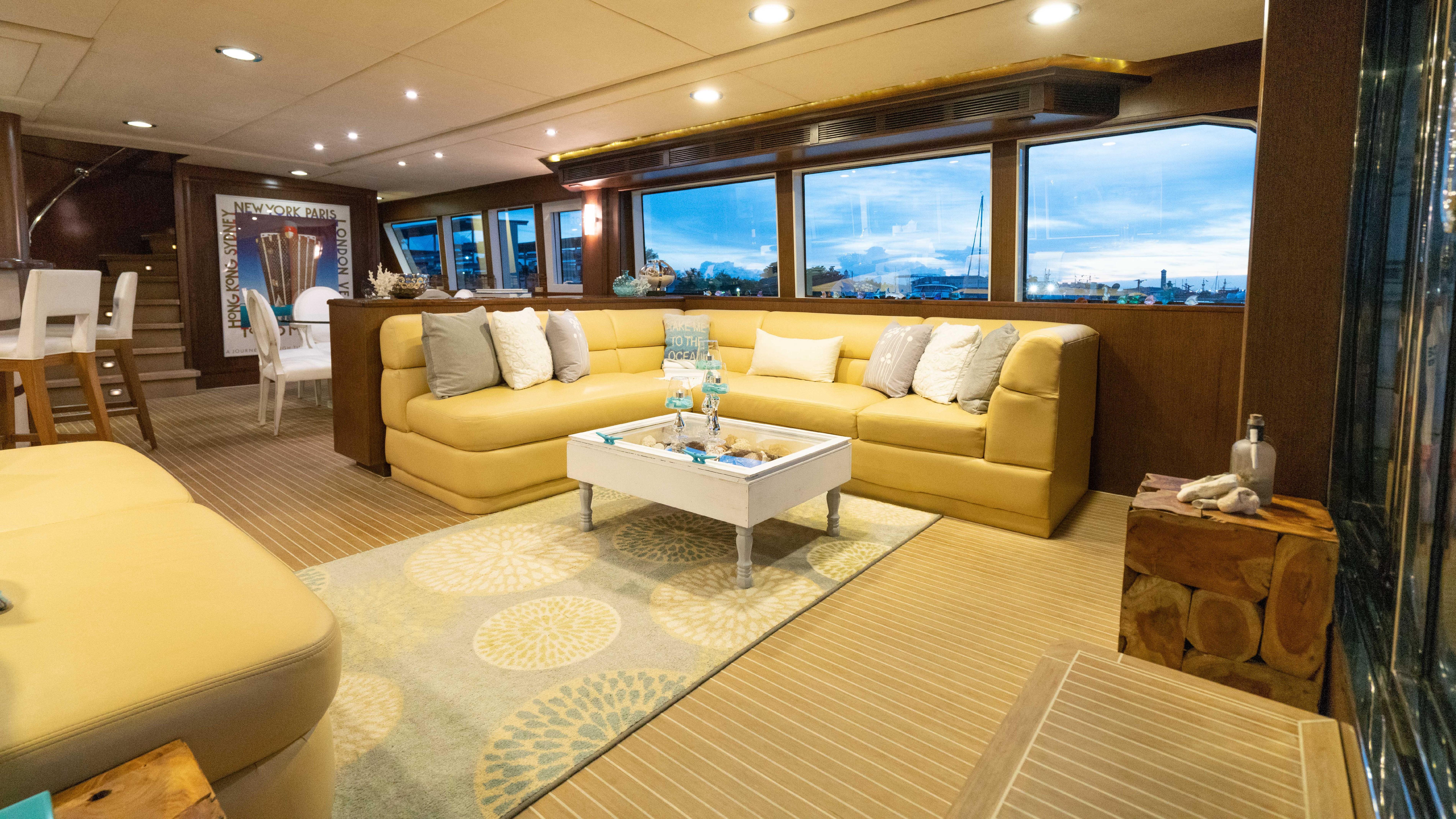Astounding 98 Mcp Hiatus 2008 Fort Lauderdale Denison Yacht Sales Machost Co Dining Chair Design Ideas Machostcouk