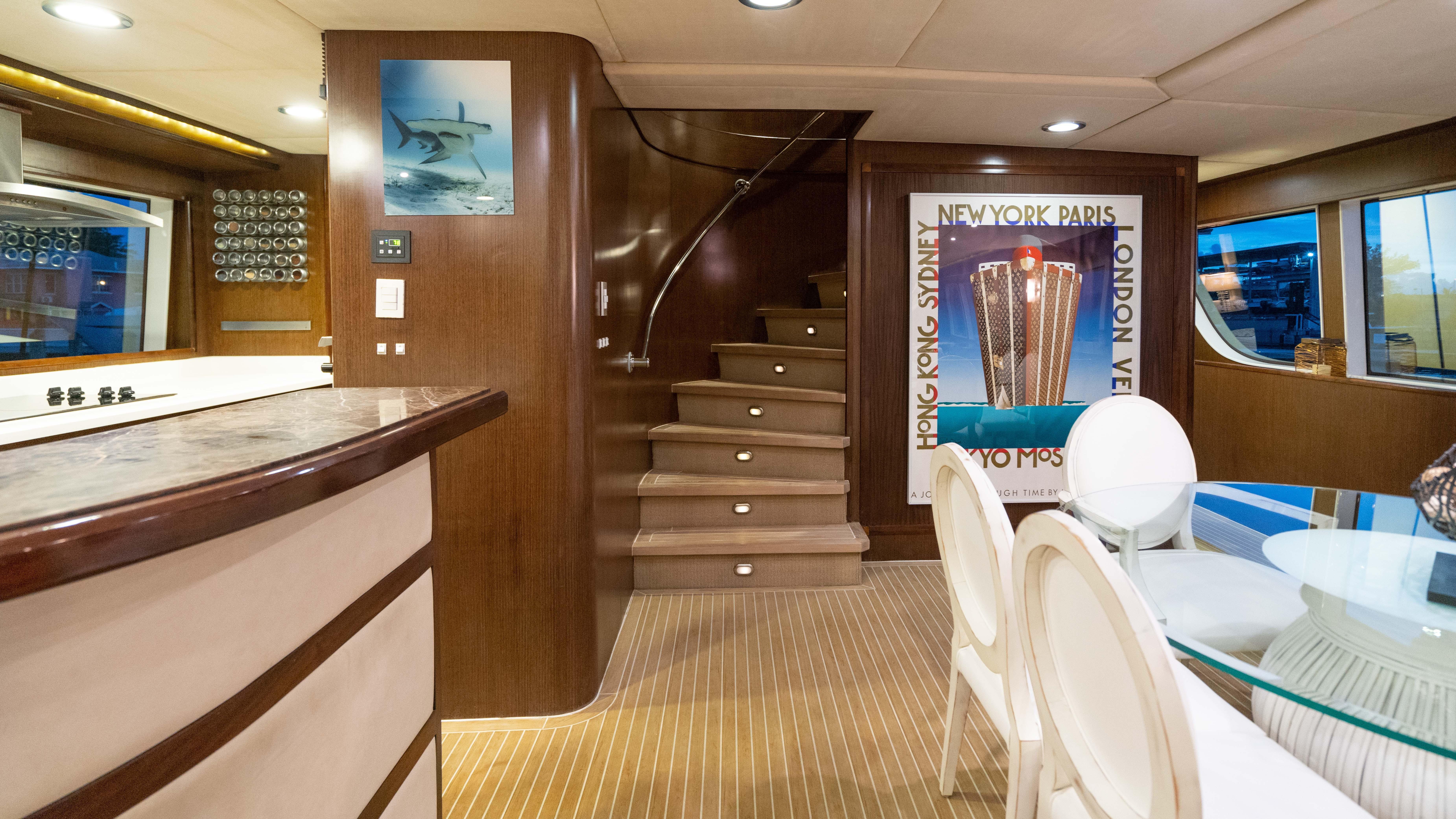Strange 98 Mcp Hiatus 2008 Fort Lauderdale Denison Yacht Sales Machost Co Dining Chair Design Ideas Machostcouk