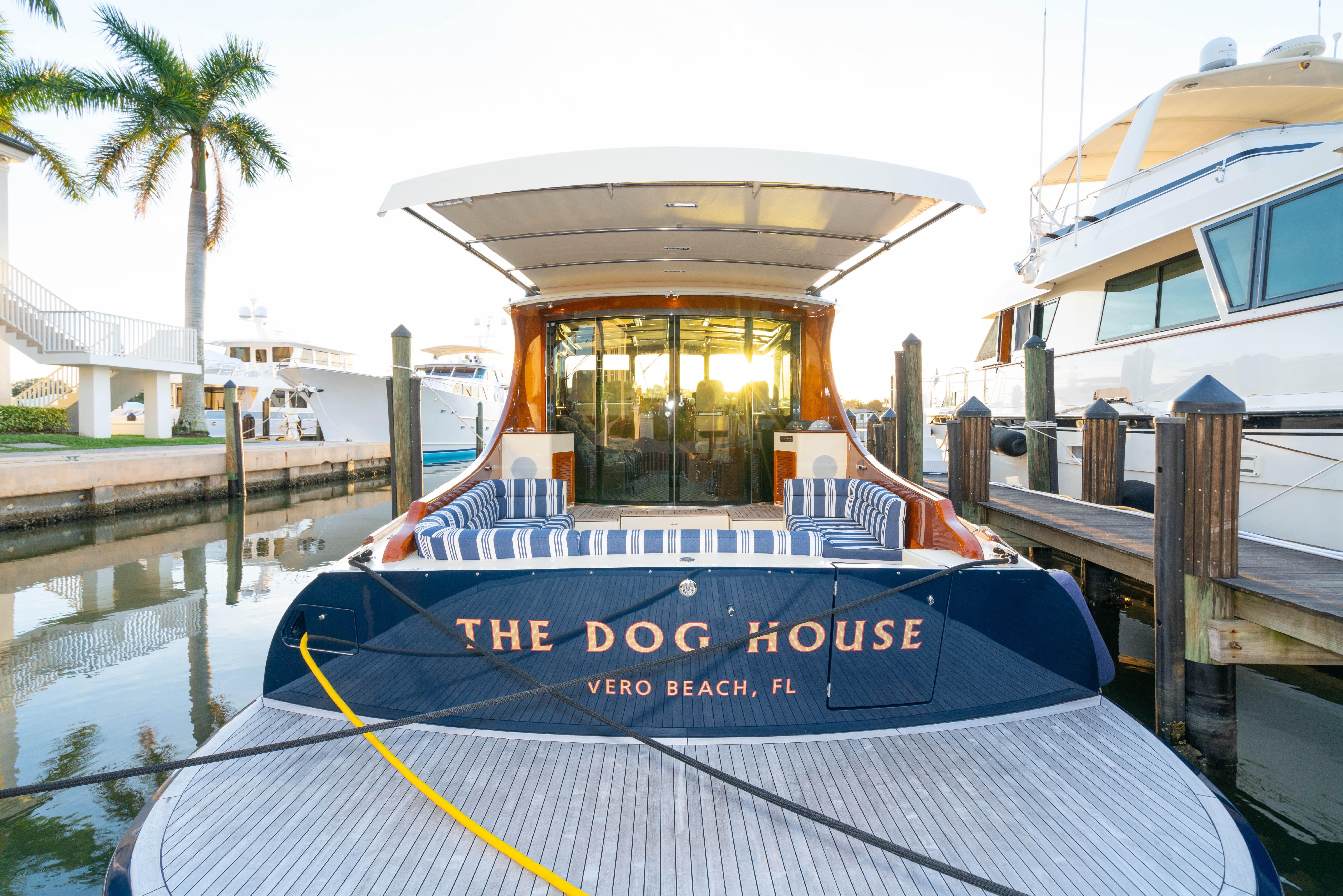 55 Hinckley 2017 The Dog House Vero Beach Florida
