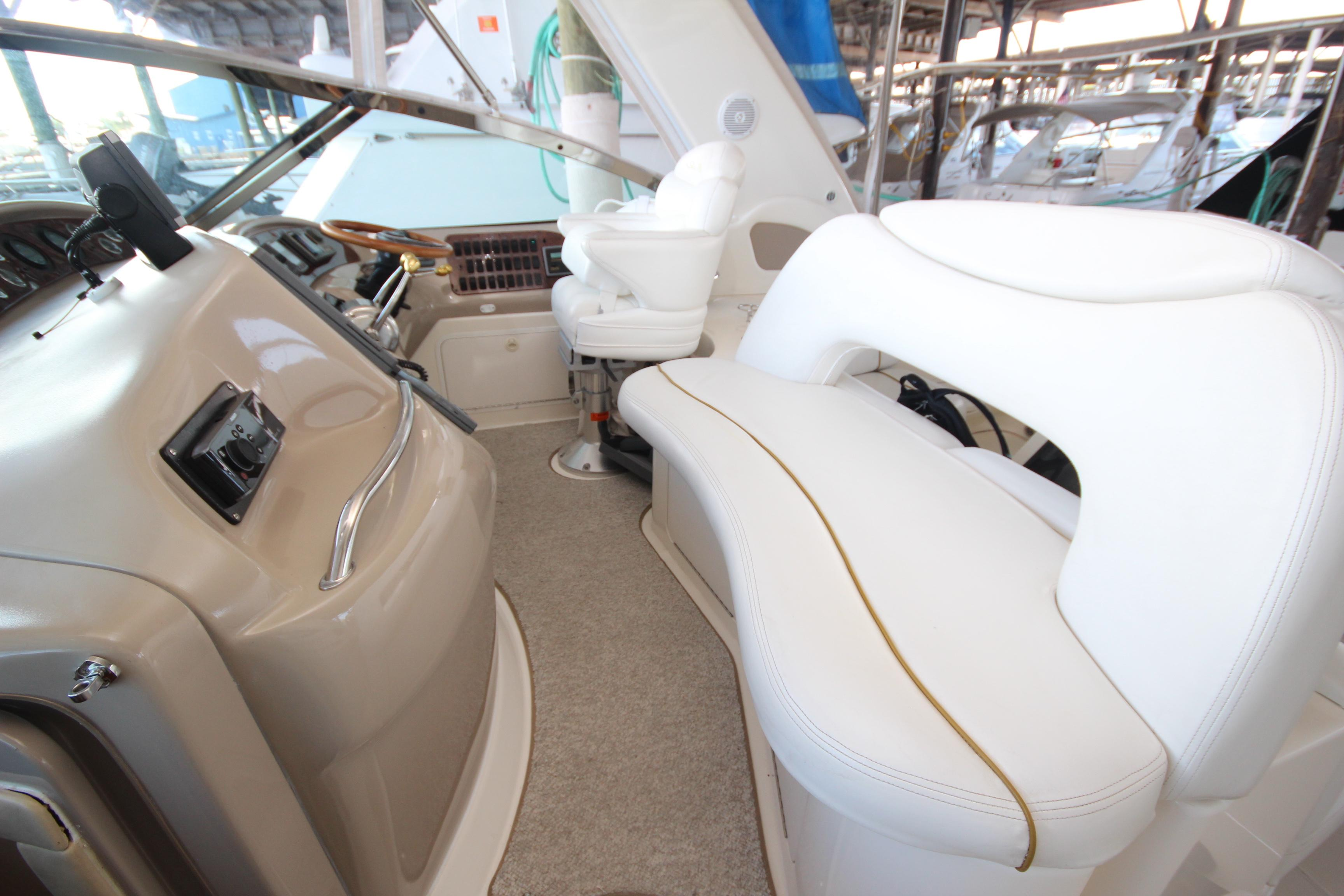 46 Sea Ray Helm Seating