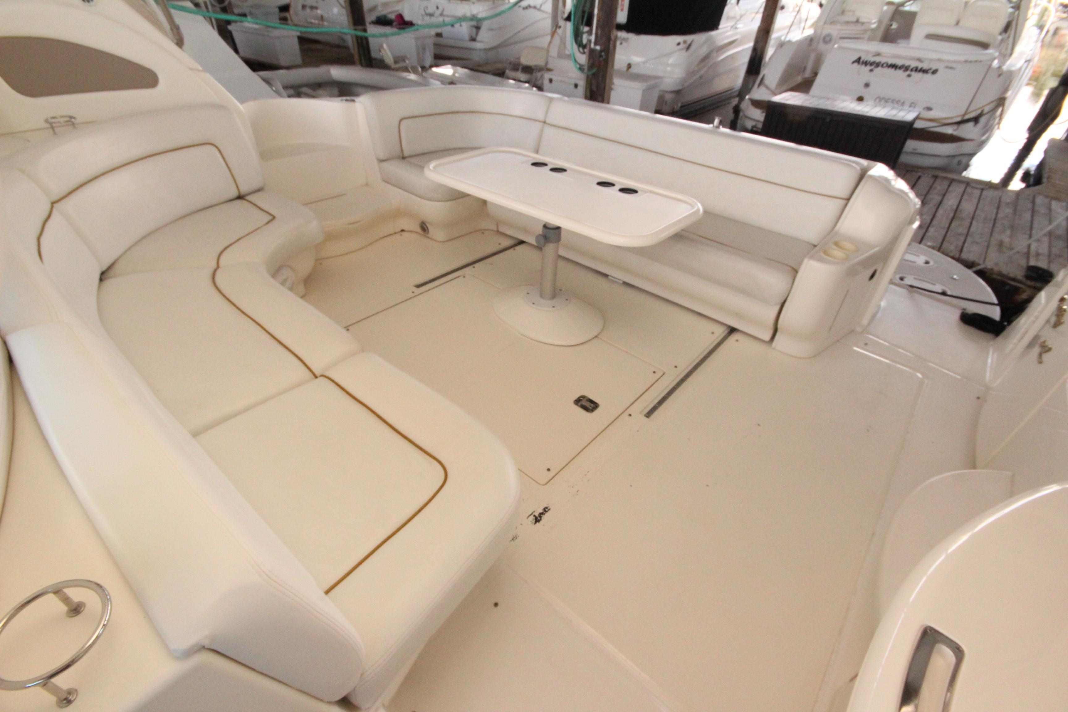 46 Sea Ray Cockpit 3
