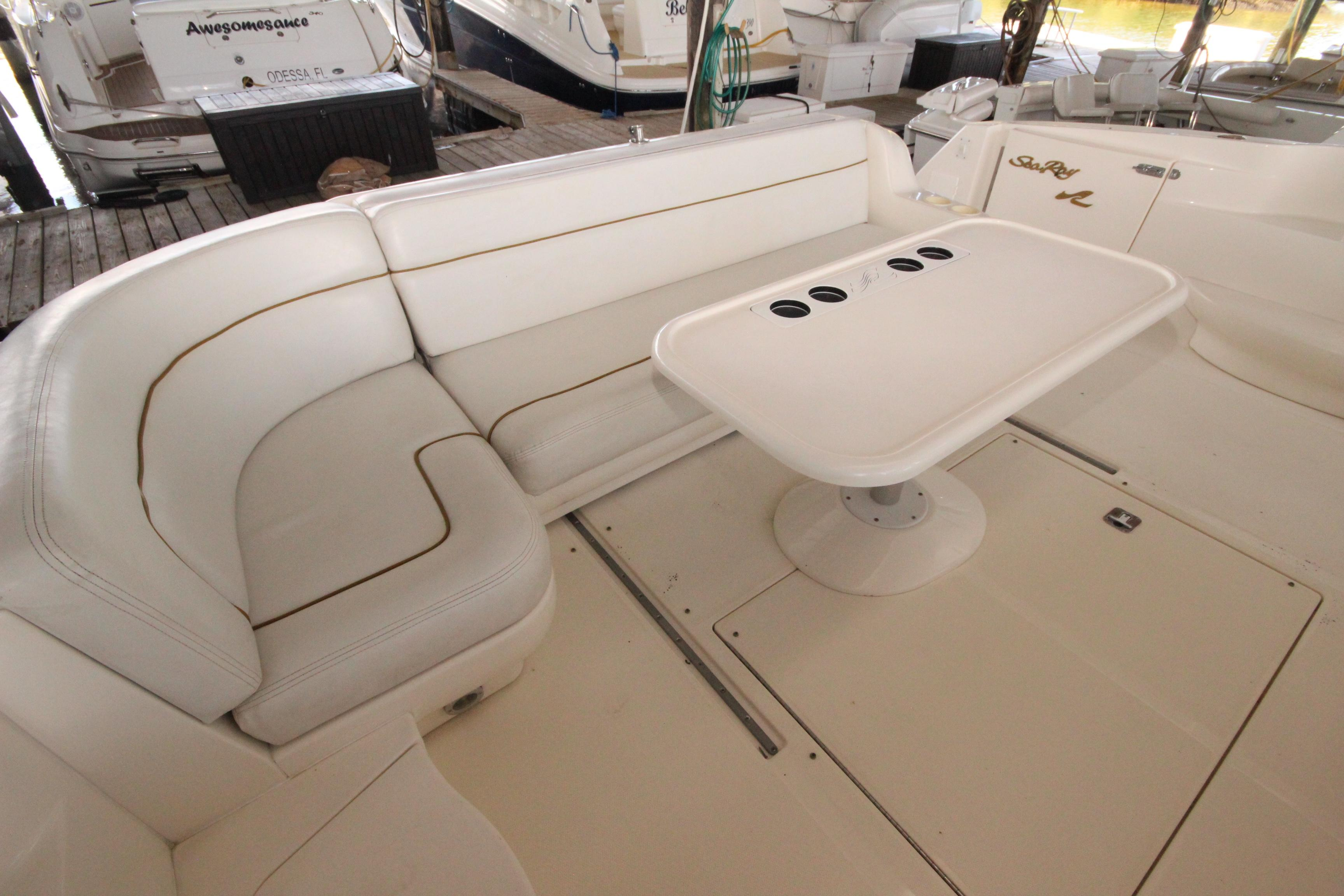 46 Sea Ray Cockpit 2