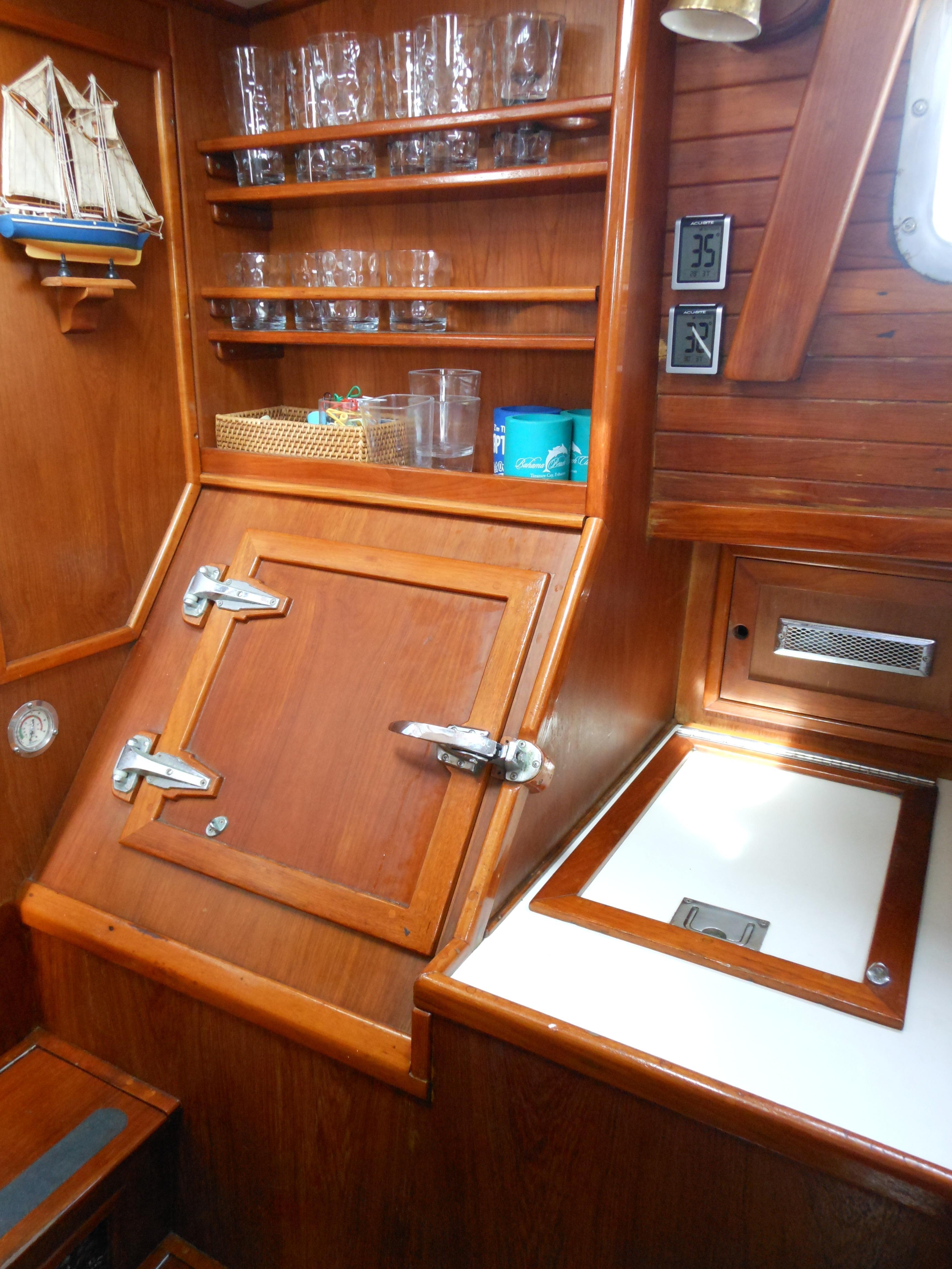 57 Wellington Large capacity refrigeration - freezor