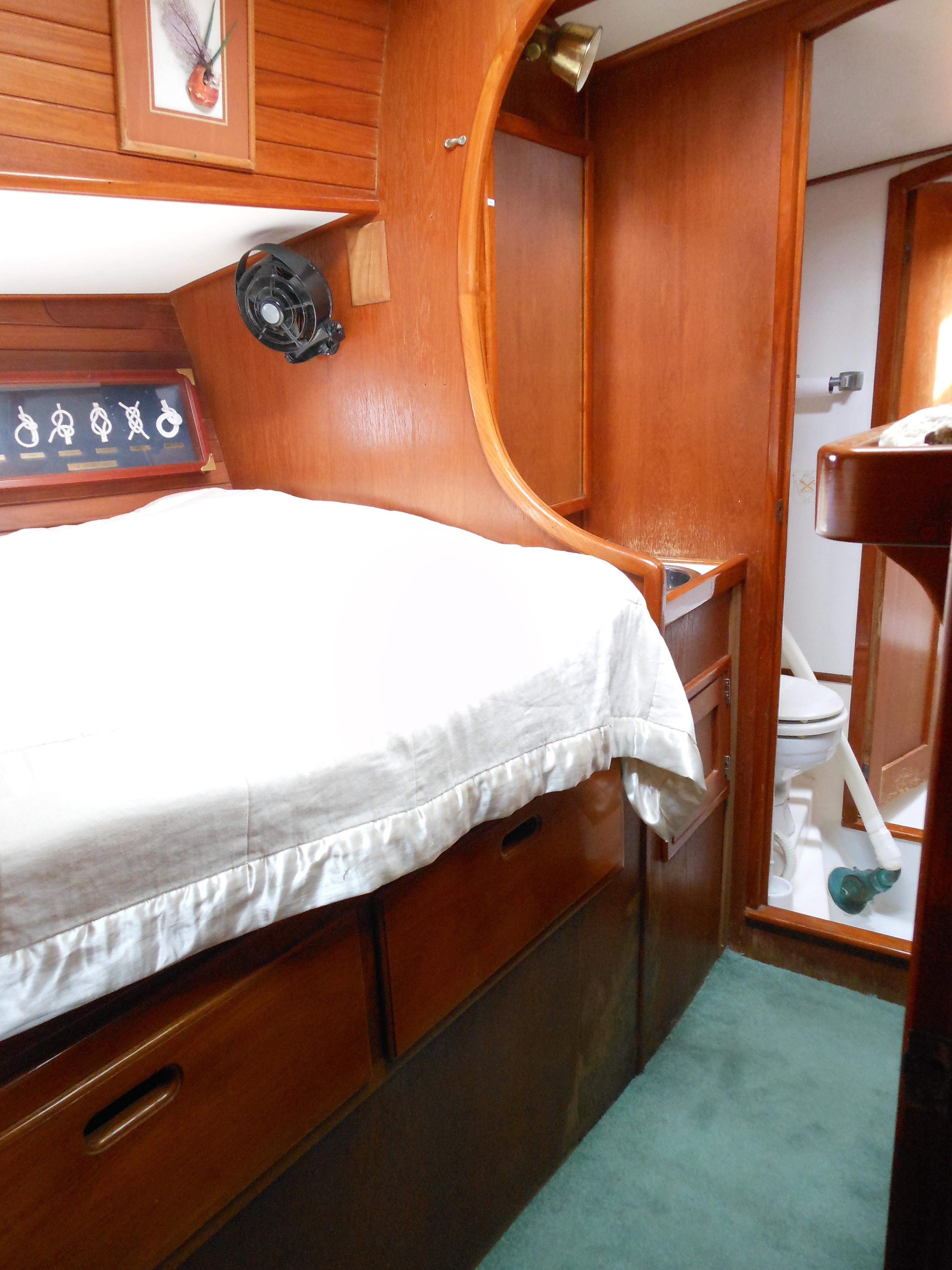 57 Wellington Port guest stateroom double