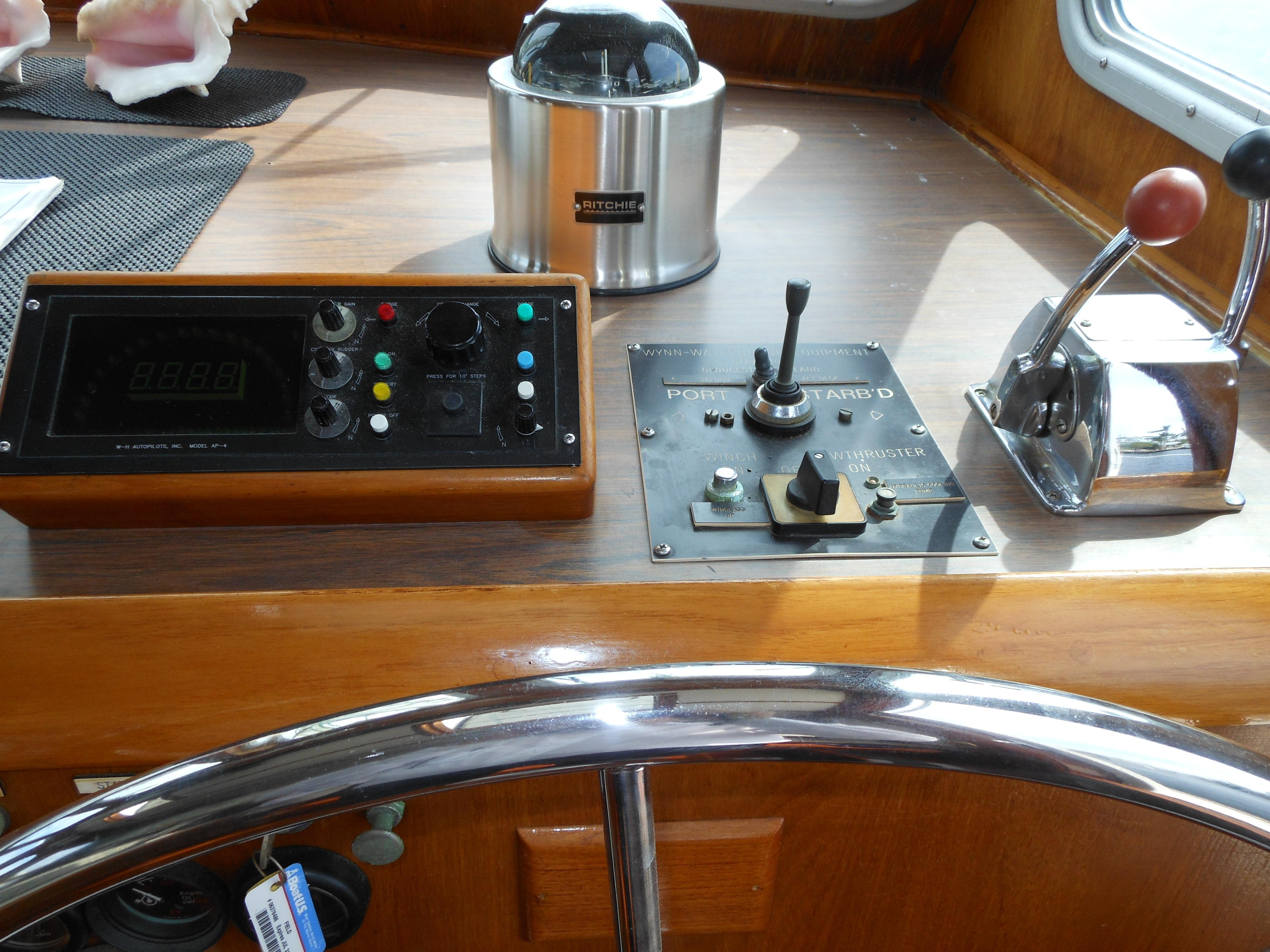 57 Wellington Inside helm
