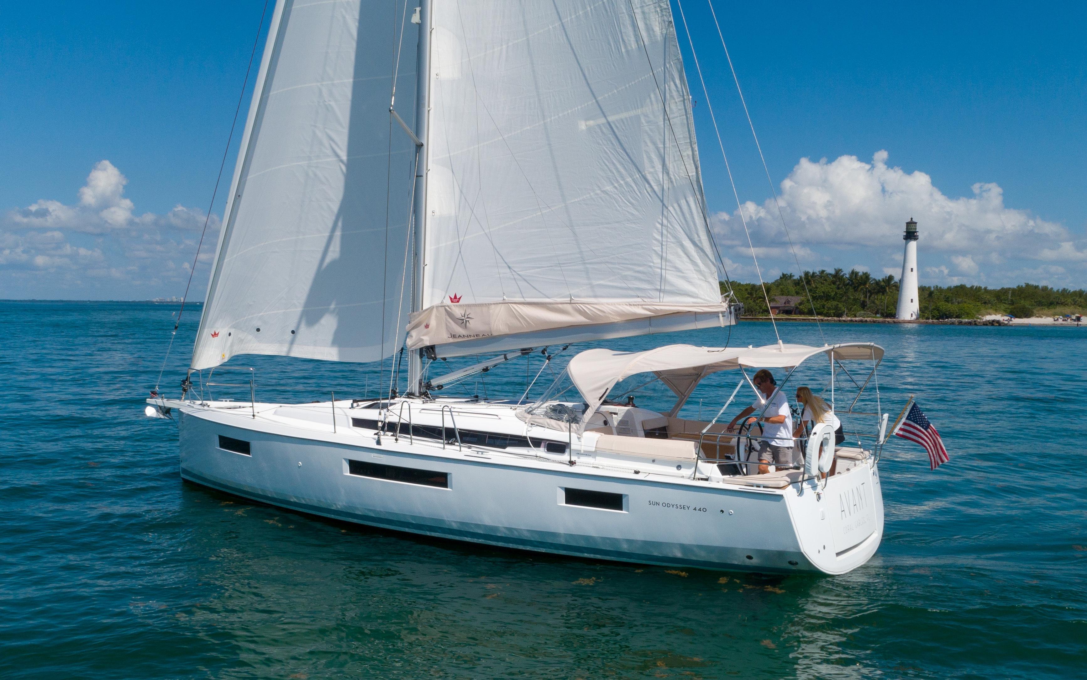 44 Jeanneau AVANT 2019 Miami   Denison Yacht Sales
