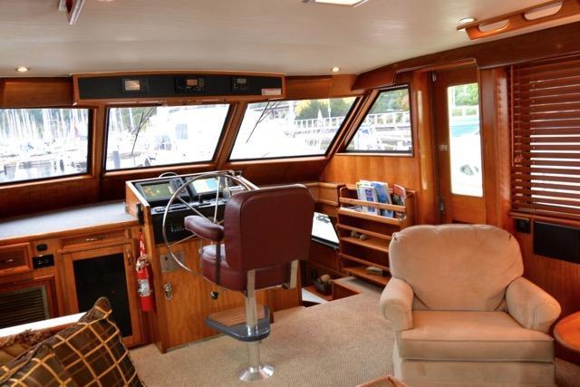 58 Hatteras Salon- Looking starboard forward